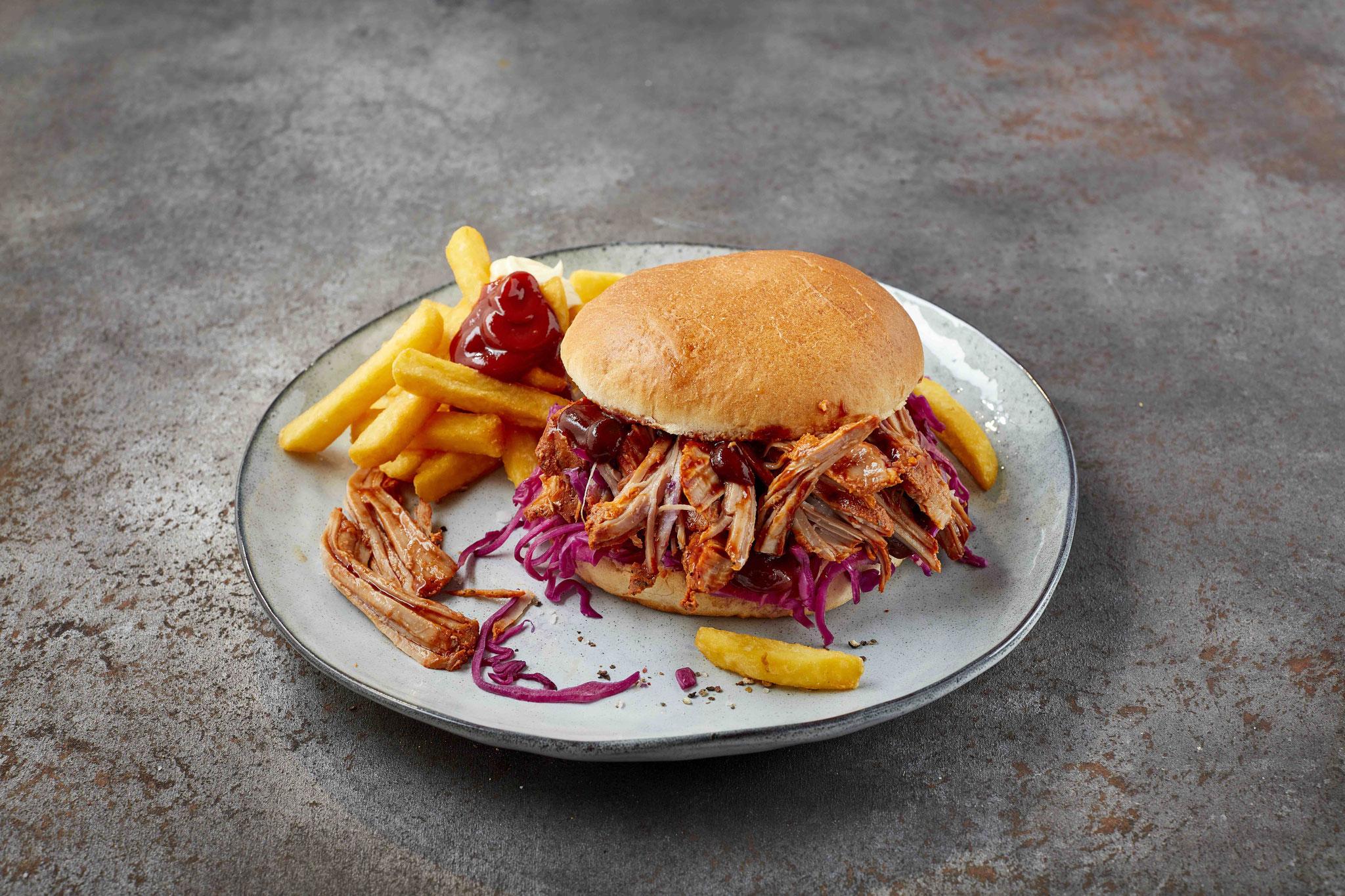 <h2> Pulled Pork Burger </h2> zart und lecker - einfach klasse!