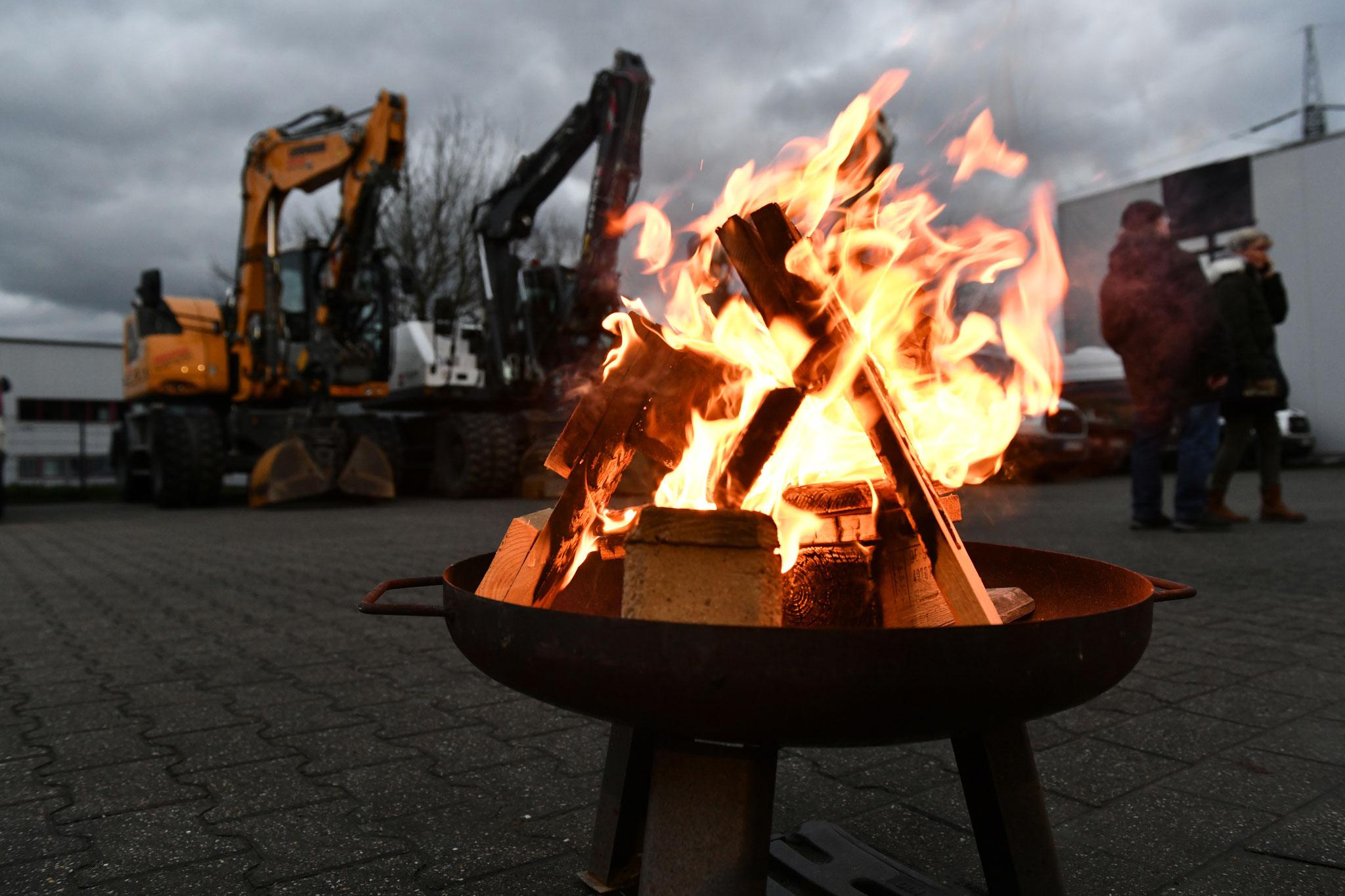 <h2> stimmungsvolle Feuerkörbe </h2> sorgen für einen tollen Rahmen