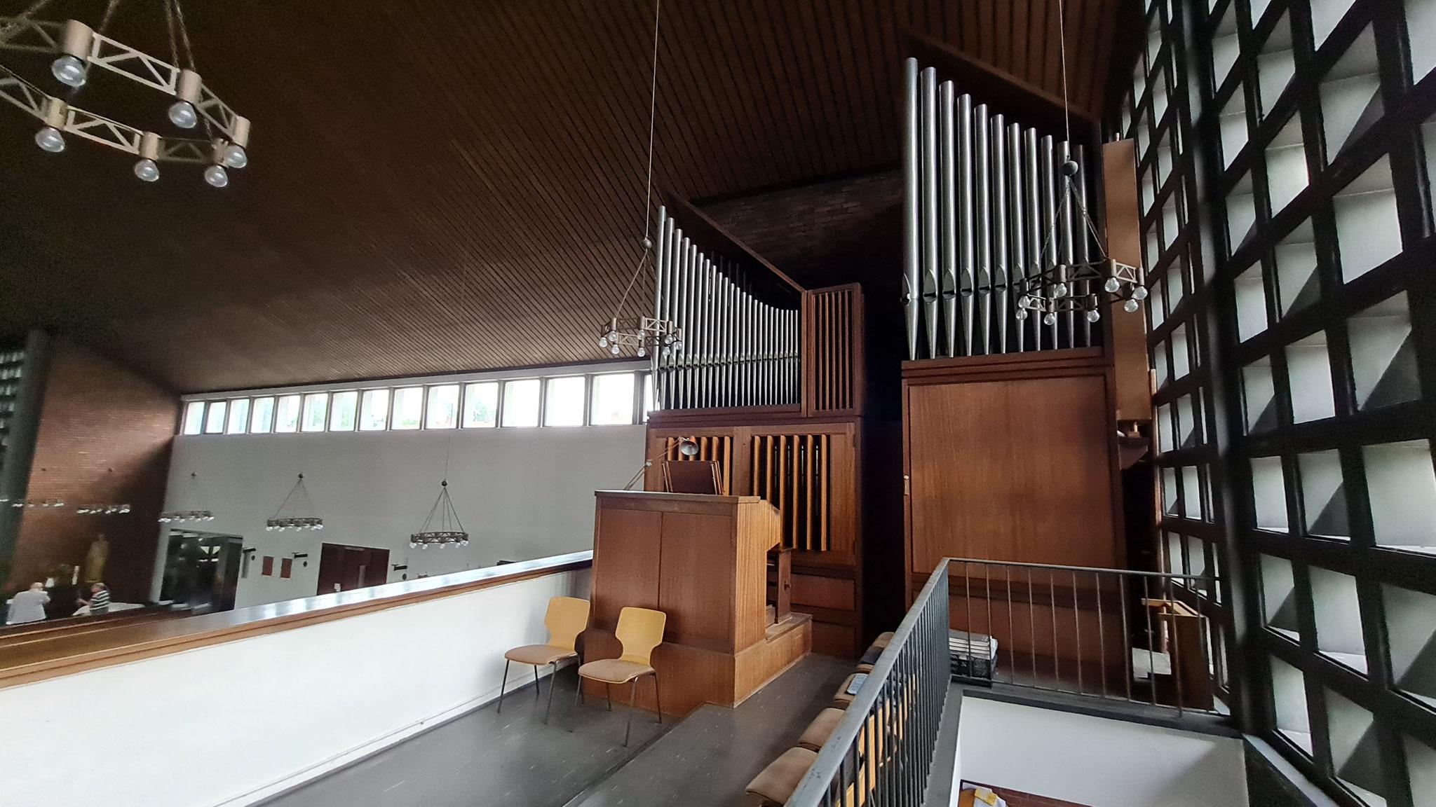 Die Orgel in der Wedauer St. Joseph-Kirche war in den 60er- Jahren von der Firma Seiffert aus Kevelaer gebaut worden. Am 17. Dezember 1967 wurde sie eingeweiht. Nun wird sie zerlegt und in Polen wieder aufgebaut.