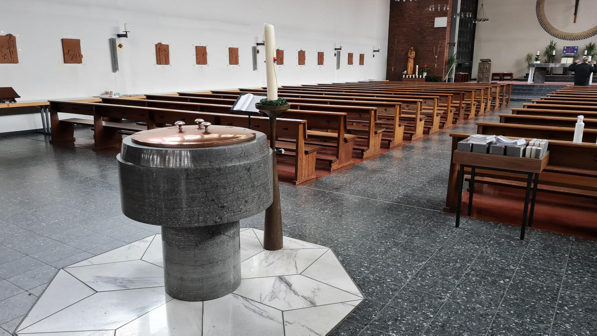 Taufbrunnen, Kerzenständer und sogar die Kreuzwegstationen sind nur einige der Gegenstände der Wedauer Josephskirche , die in eine Kirchengemeinde in Polen umziehen.