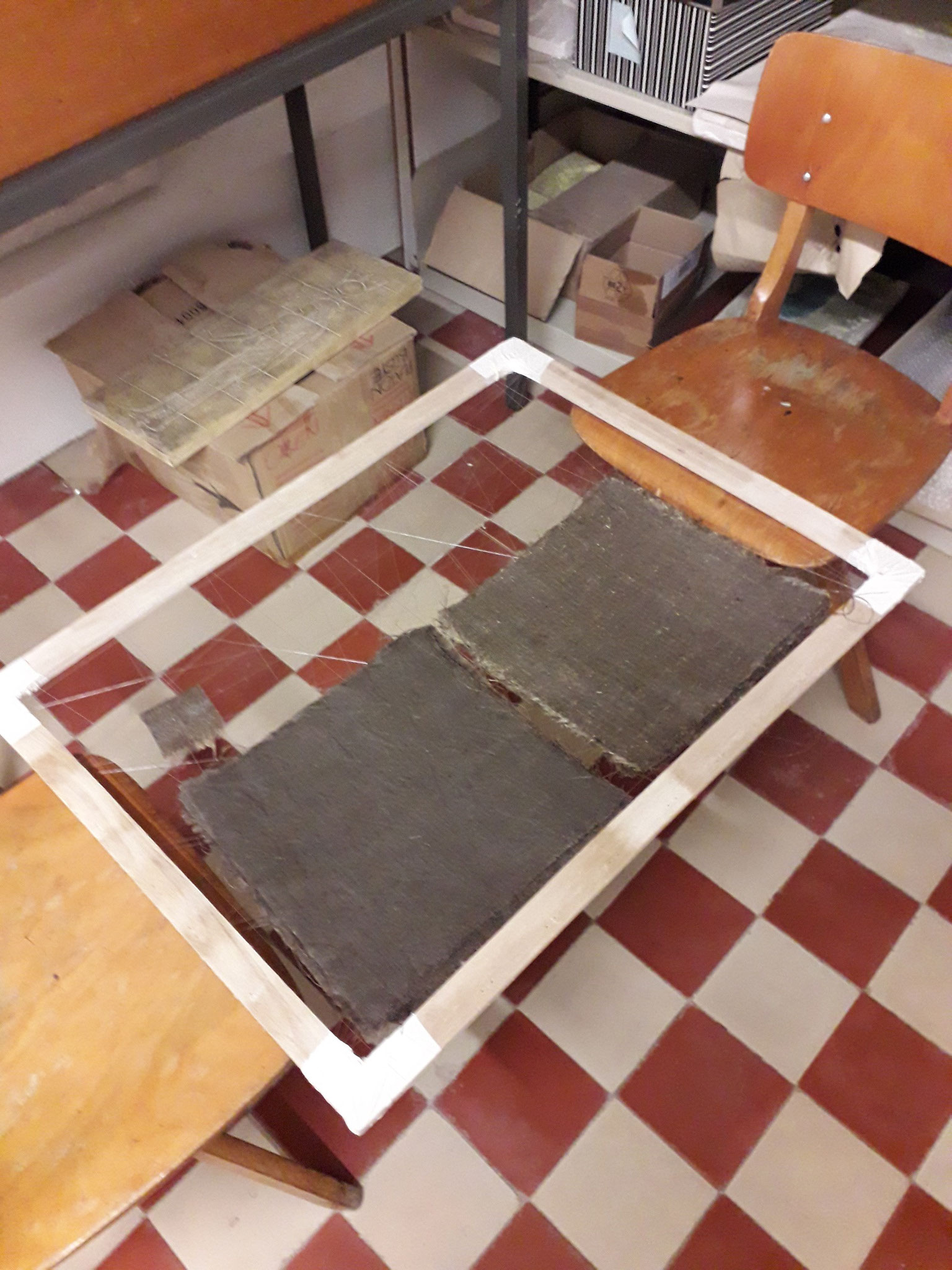 Zum Trocknen nutzten wir auch wieder unseren bewährten Rahmen, andere Teststücke wurden hängend getrocknet.