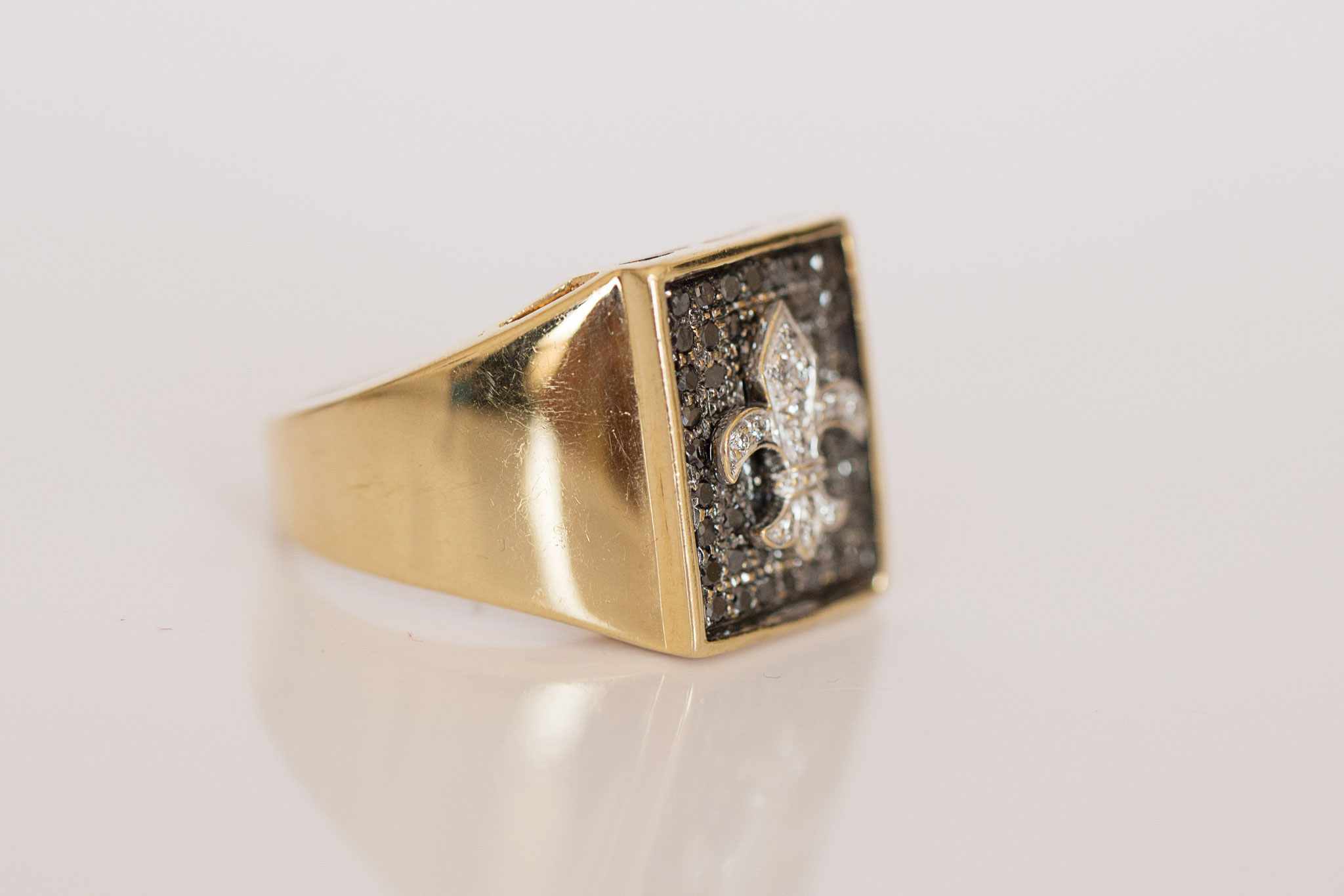 Vintage Ring Fleur de l'Ile in 14 kt Gelbgold mit weissen und schwarzen Brillanten