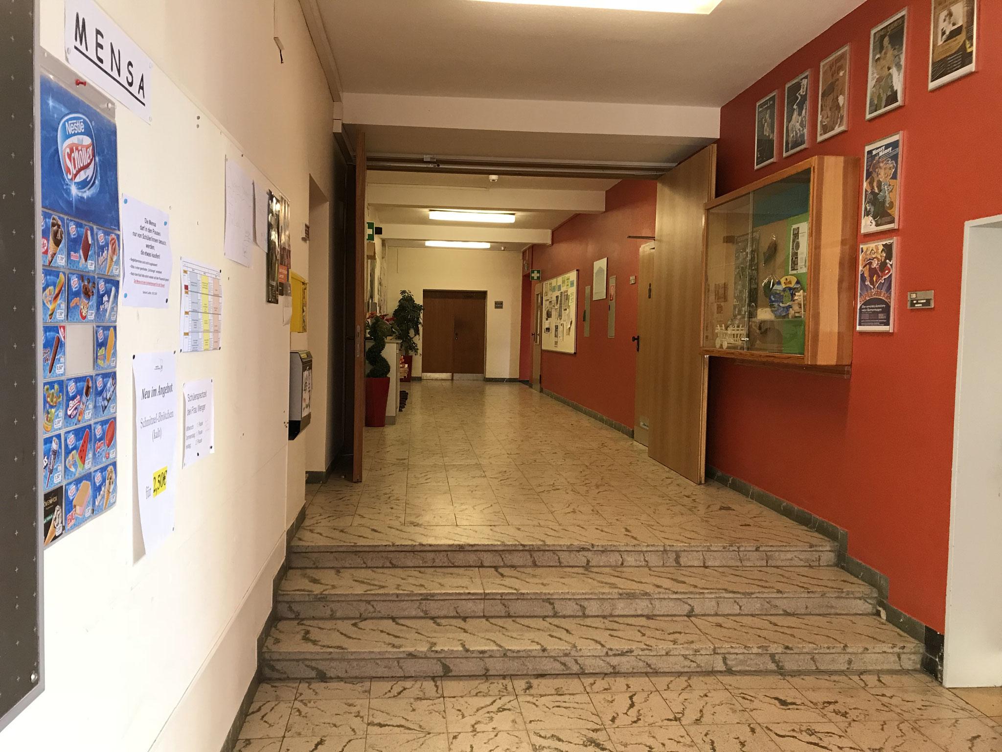 Sekretariat, Sanitätsraum und Lehrerzimmer