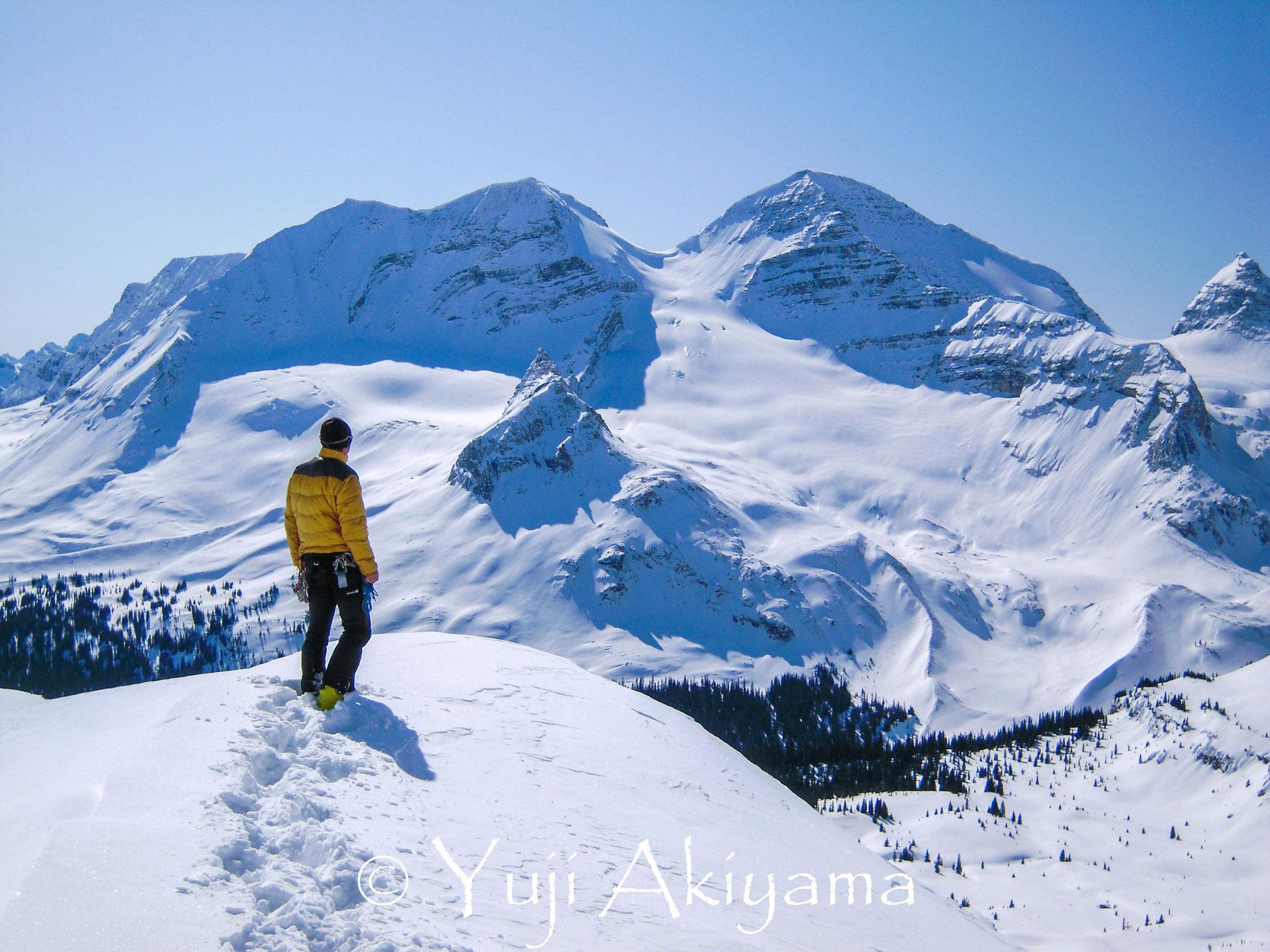 Isolated Colを登り切り、プレジデント方面が現れる