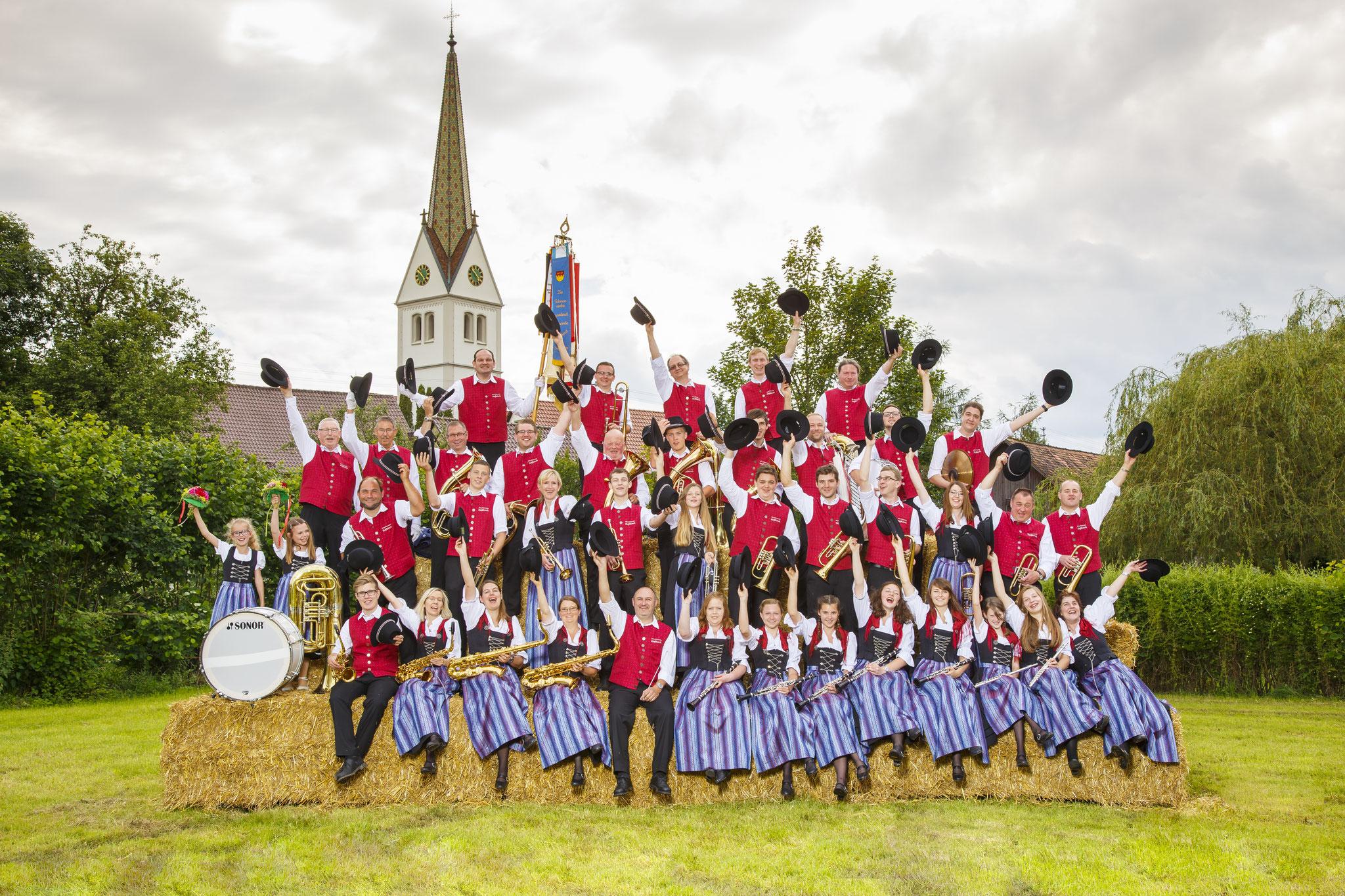 Gruppenbild Kirche - 2016