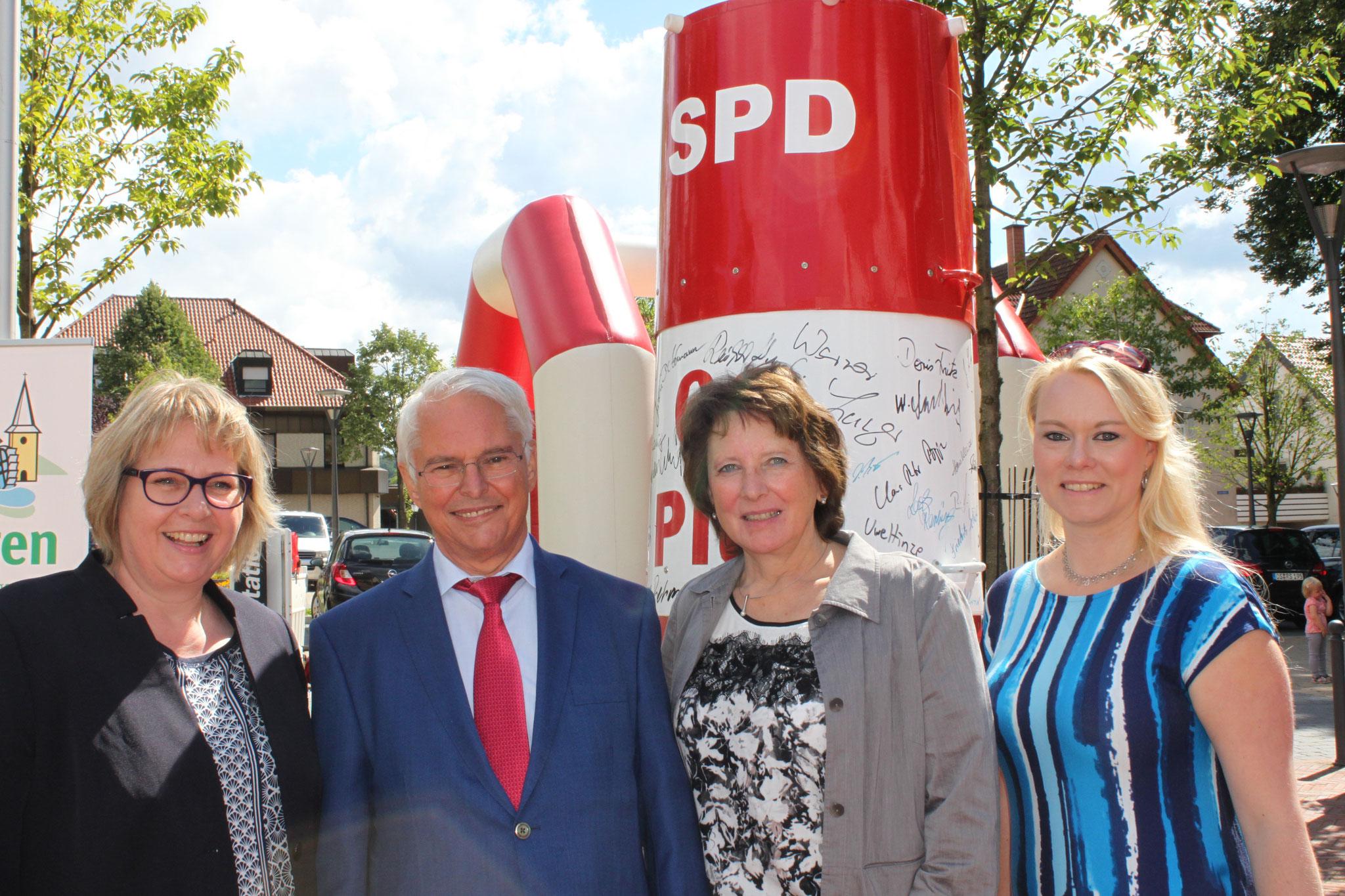 Antje Schulte-Schoh, Peter-Jürgen Schneider, Jutta Olbricht und Jutta Dettmann.