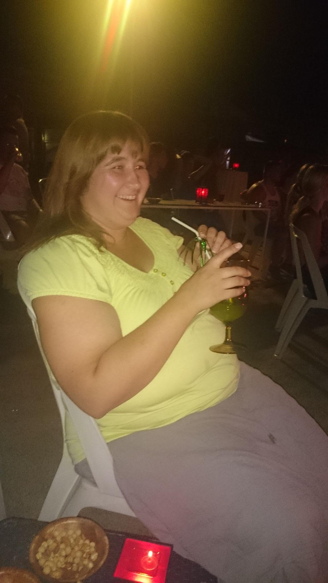 ... und danach mit Live- Musik am Strand einen feinen Cocktail genießen!