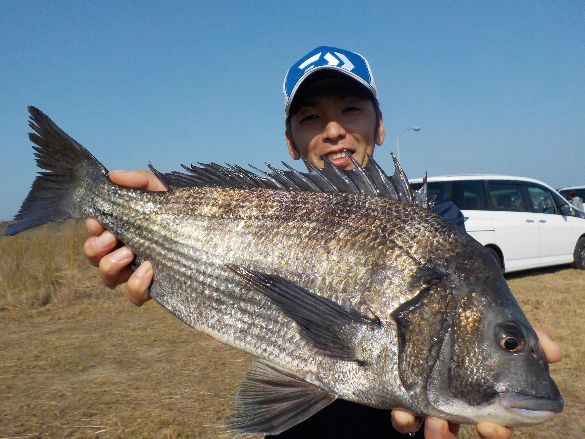 3月11日 磯釣りで松下さん ガバチヌ51.5㎝