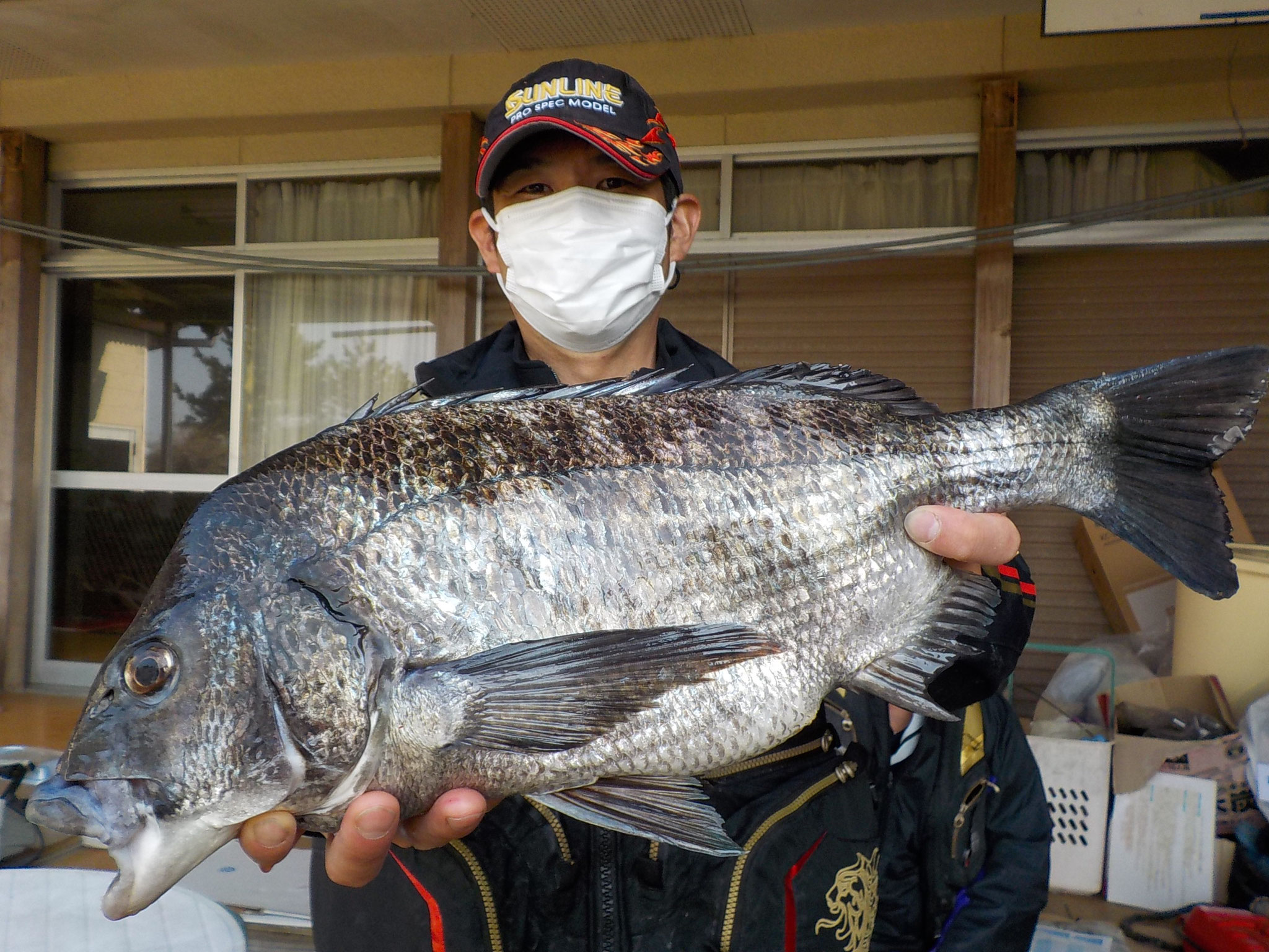 3月24日 磯釣りで宮下さん ガバチヌ50.5cm