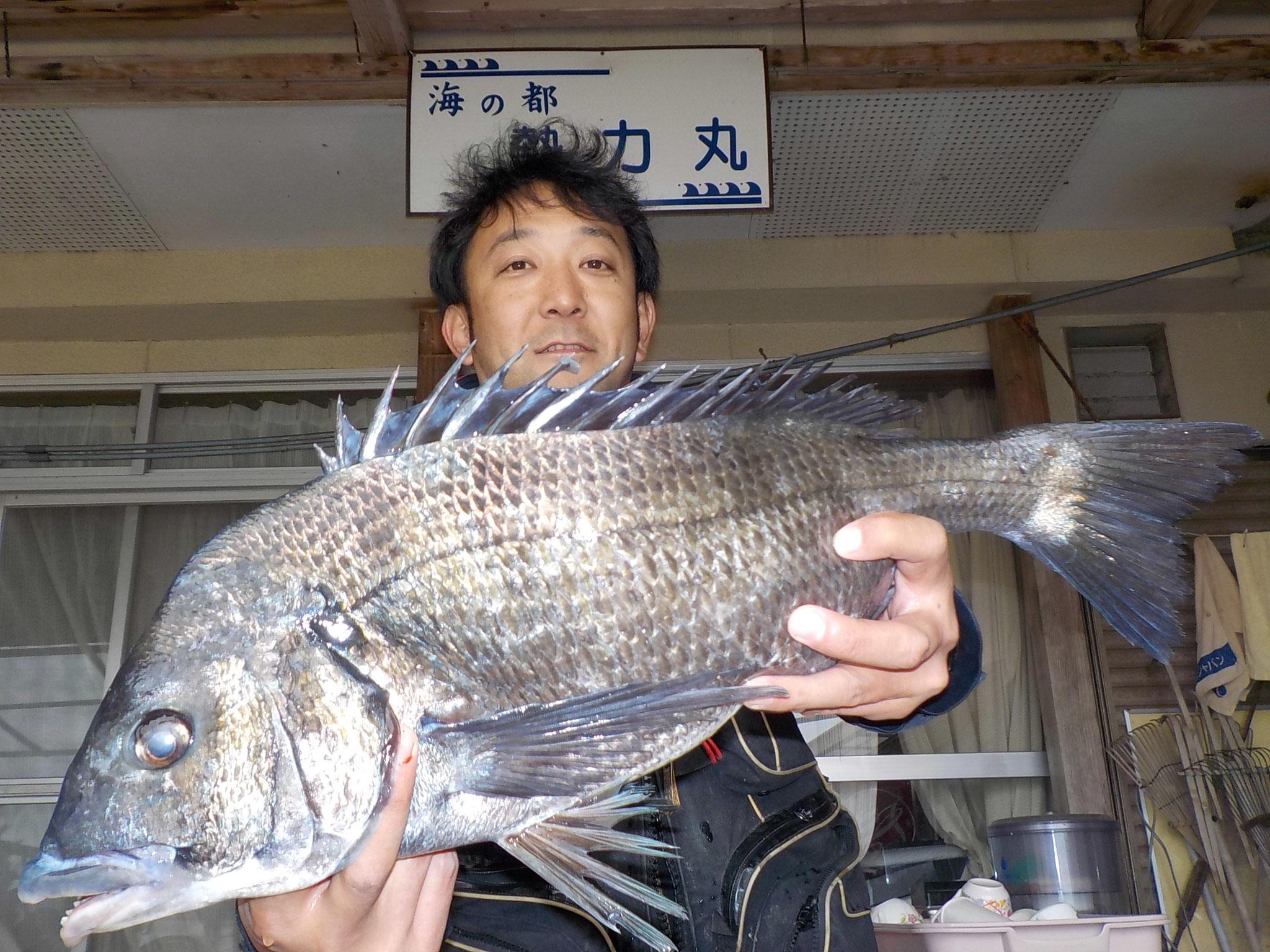 3月18日 磯釣りで三輪さん ガバチヌ52.3㎝