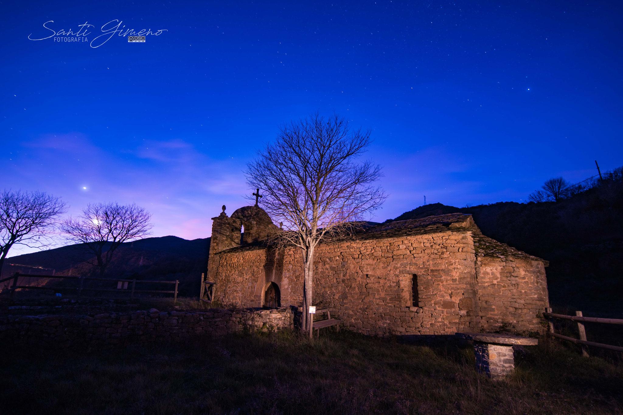 Posta de lluna, ermita de la mare de Deudel Soler (gener 2020)