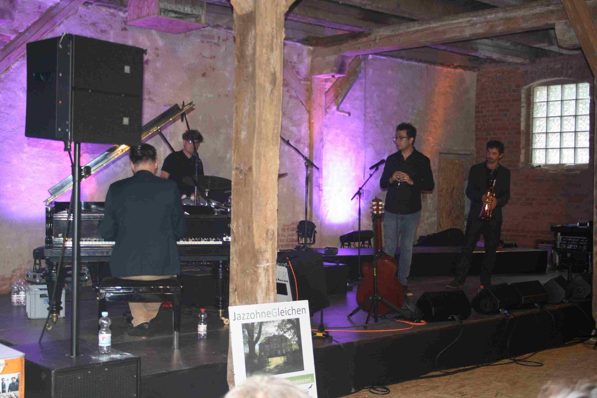 Die Band Masaa und ihr Sänger Rabih Lahoud...