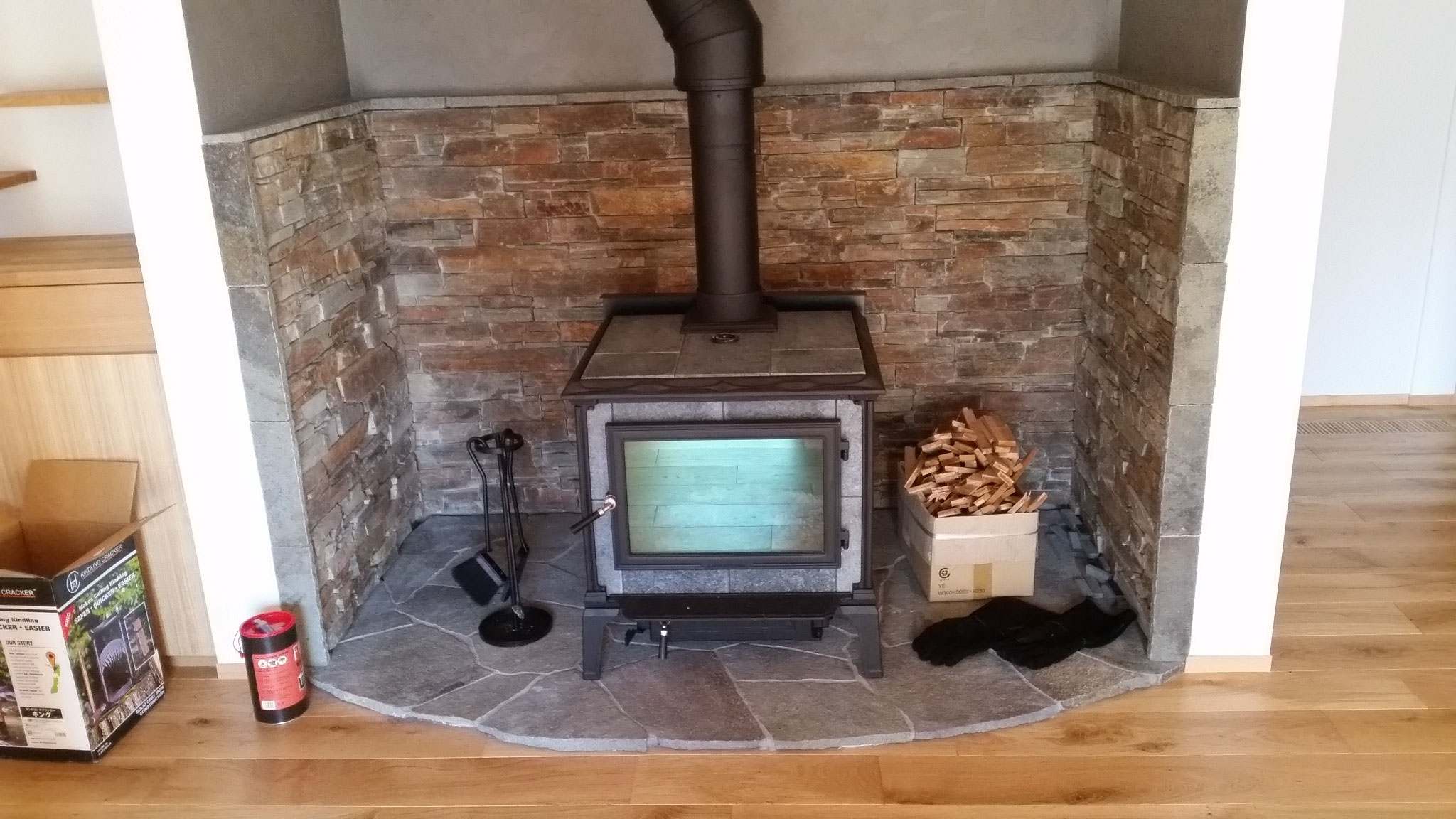 暖炉壁石 床諏訪産鉄平石