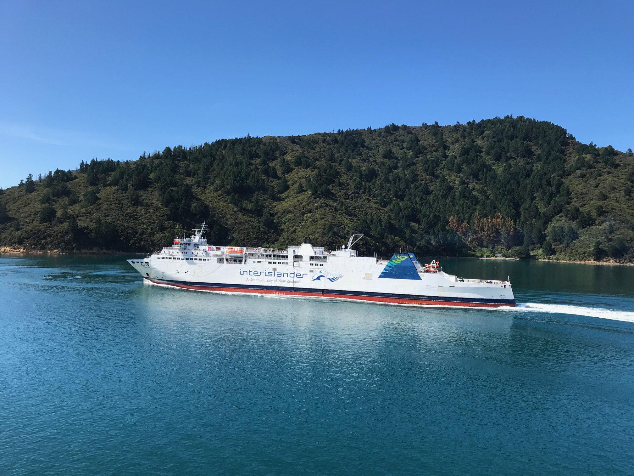 Gegenverkehr im Queen Charlotte Sound
