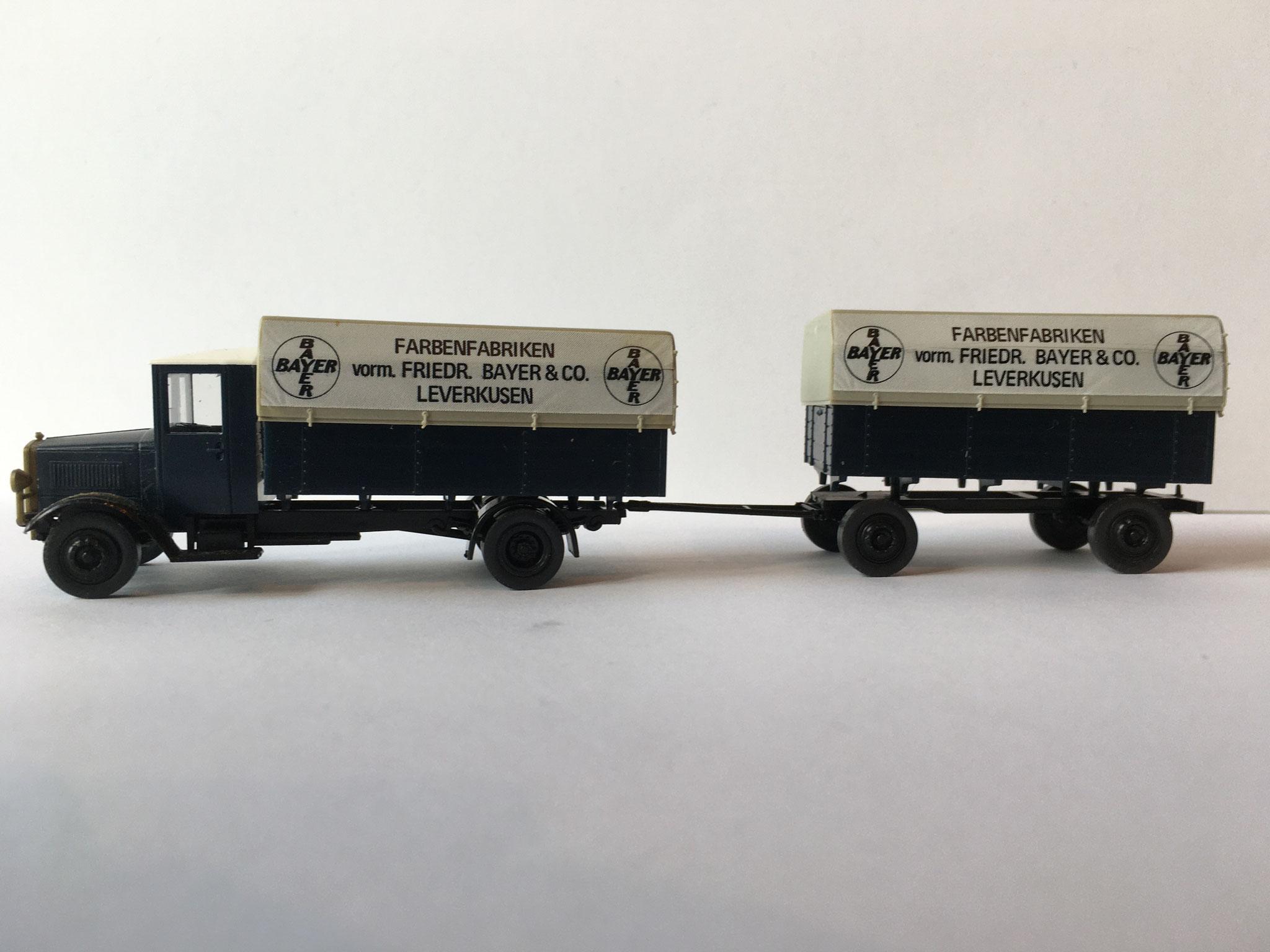Mercedes L5 BAYER mit Anhänger, dunkelblau