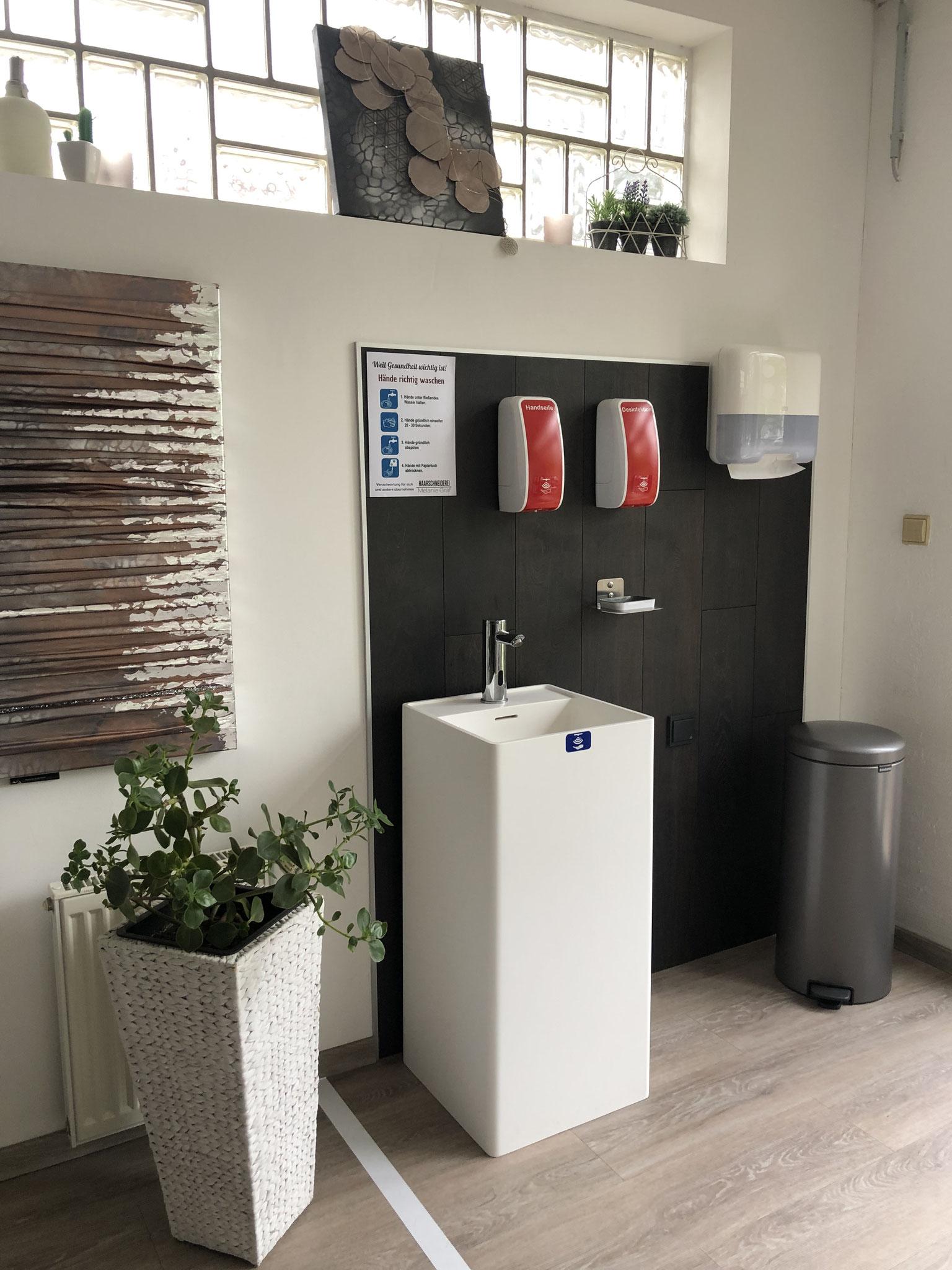 HygieneBereich - komplett kontaktlos zu bedienen - dauerhaft installiert