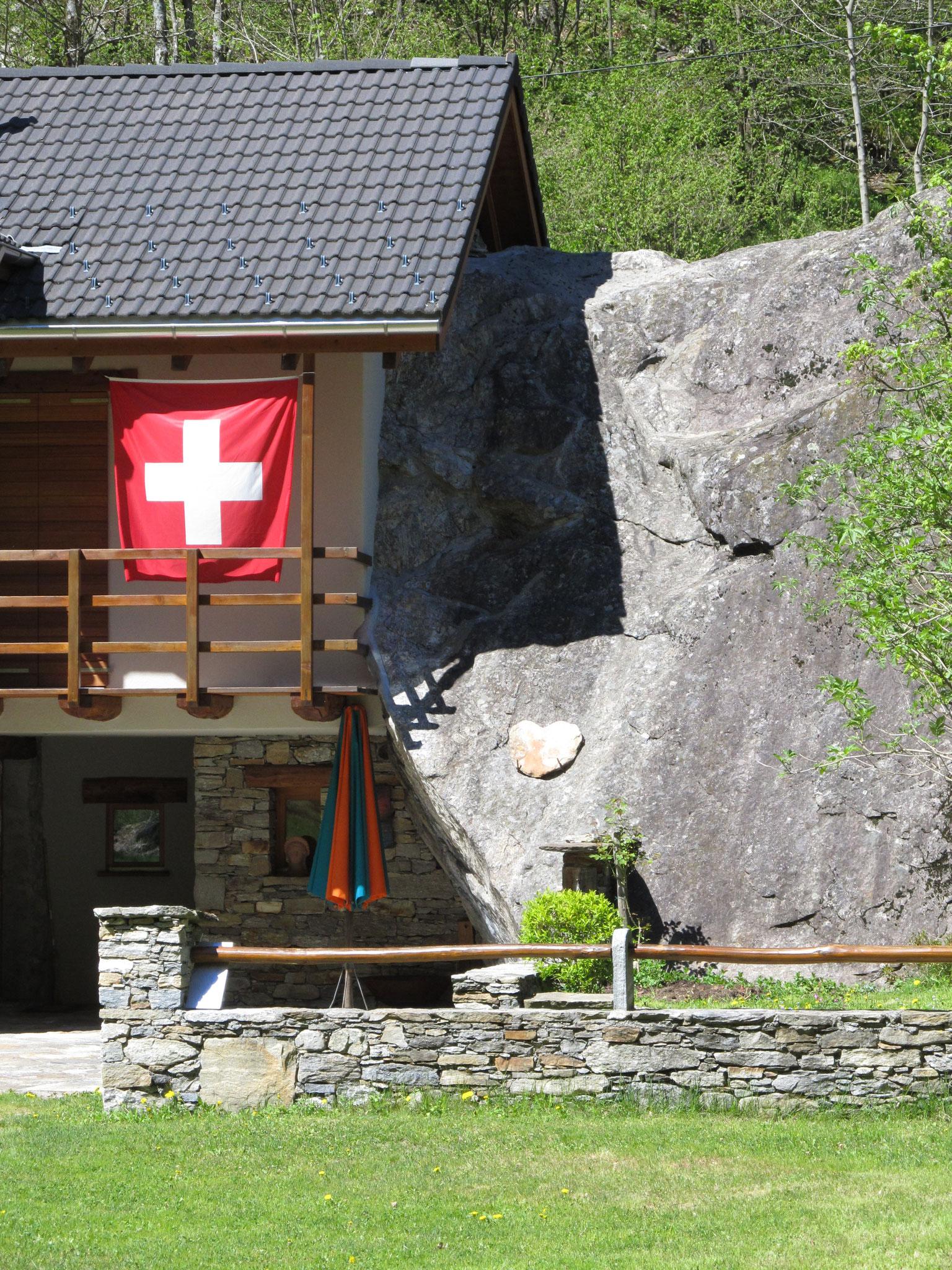 und überall zu finden: die Schweizer Flagge