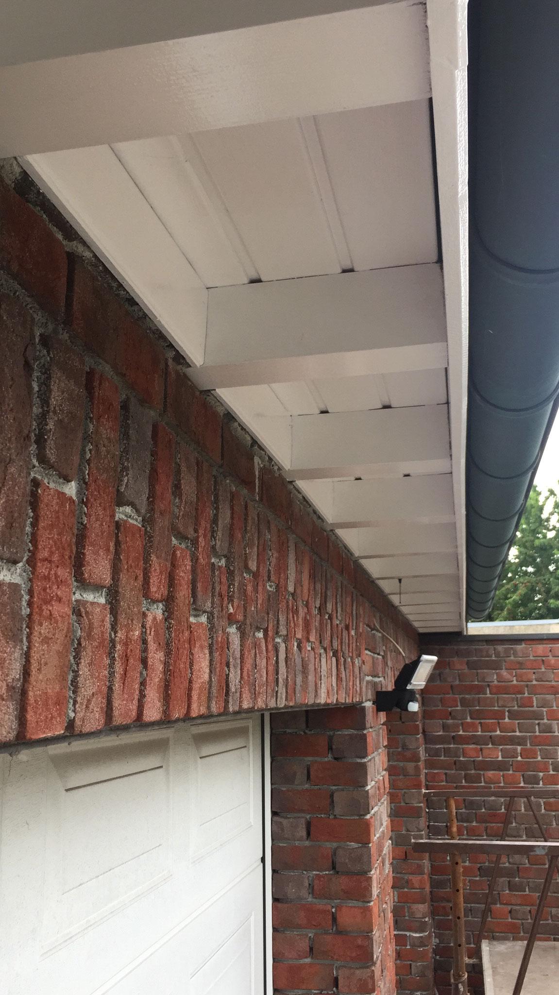 Deckende Dachvorstandbeschichtung