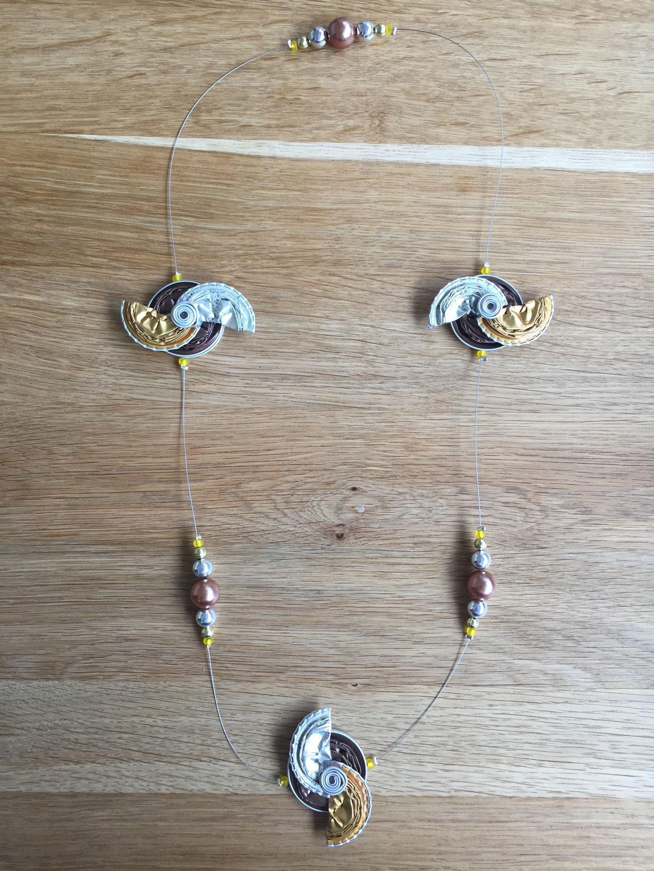 Grosse Windradkette (hellbraun/gold/spezial Edition)