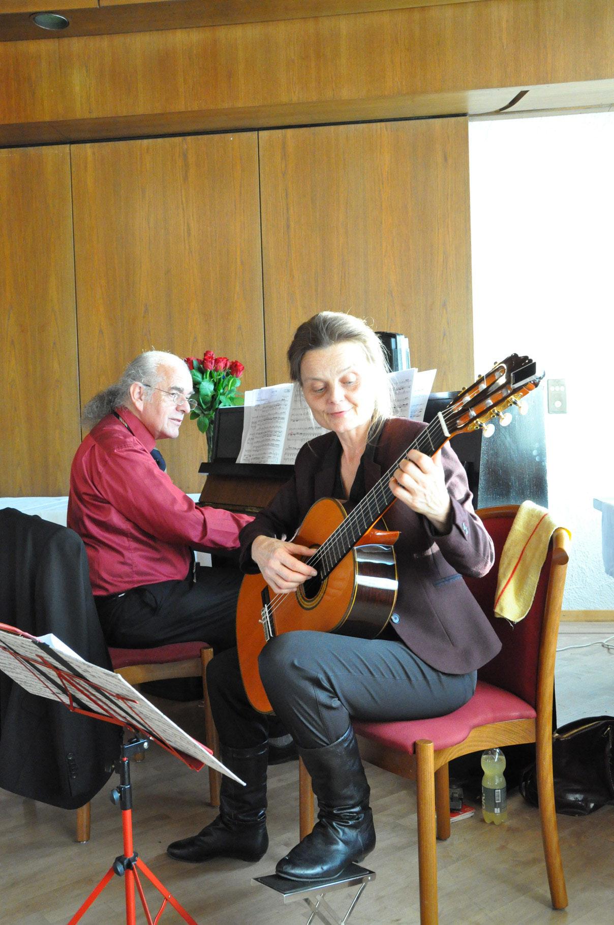 Kammermusik-Duo Regula Theus & Kurt Scheurer,  Astrologische Weihnachtsfeier 2015