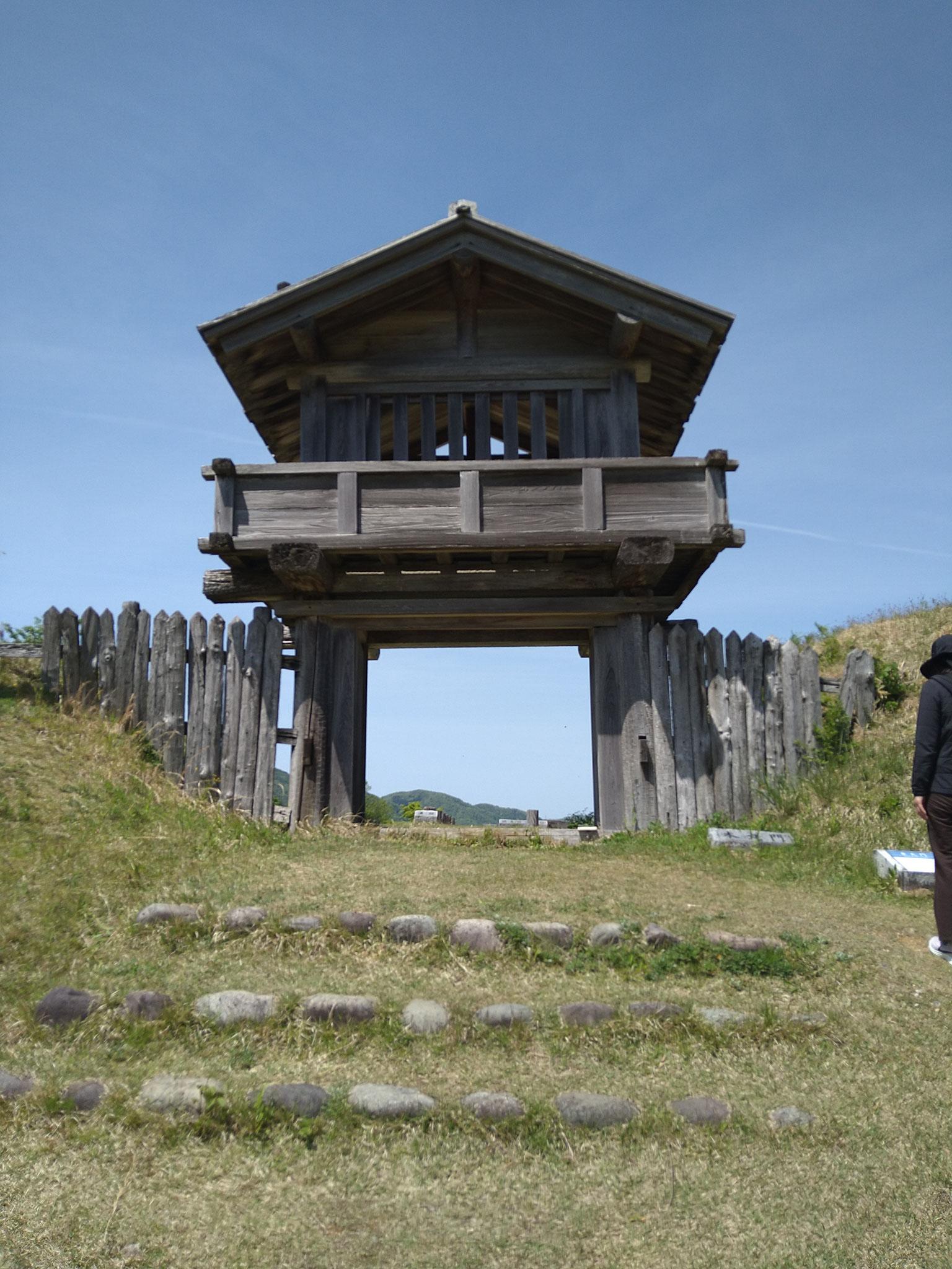 鳥越城本丸門