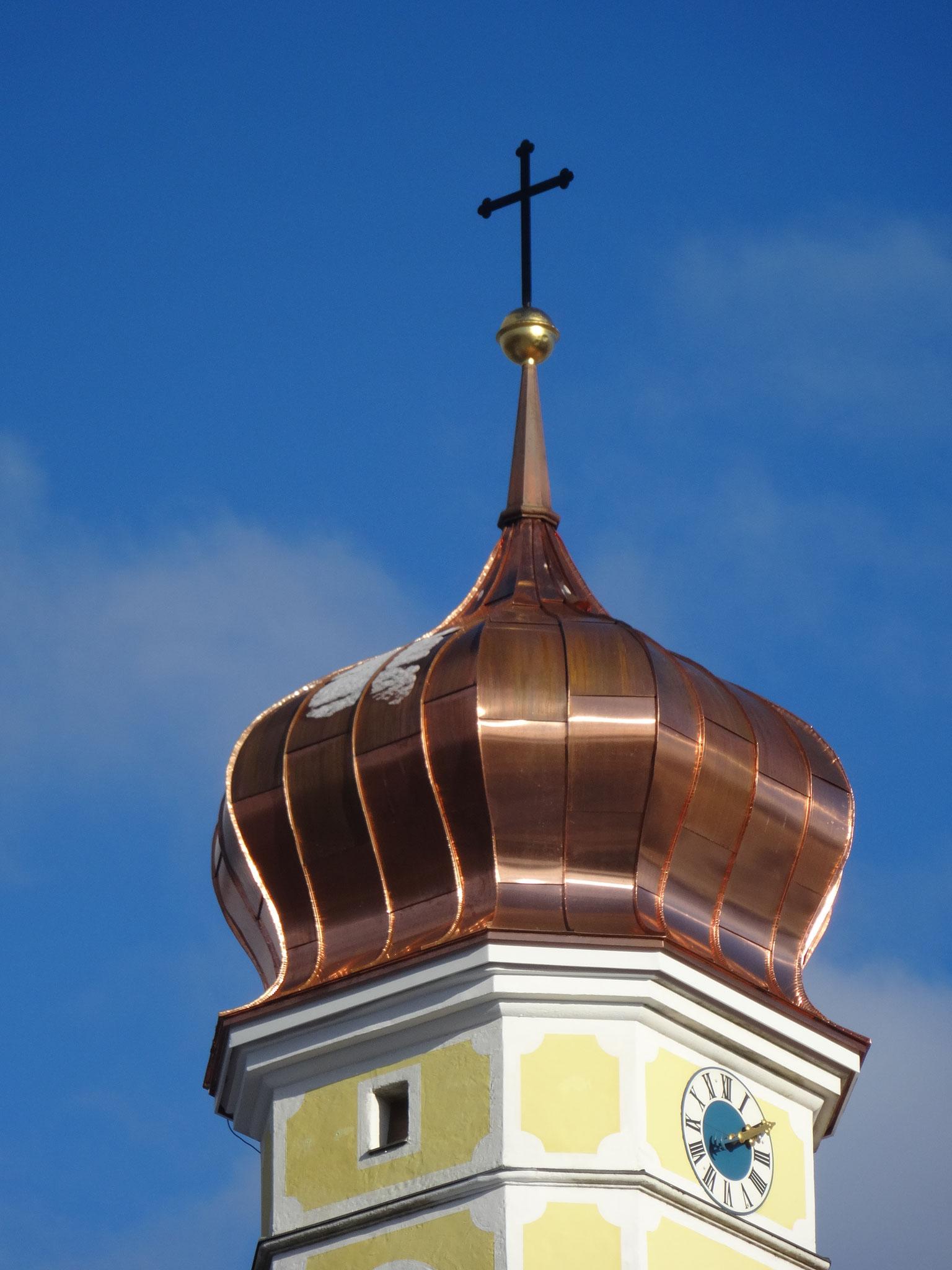 Neueindeckung der Kirchenzwiebel in St. Heinrich