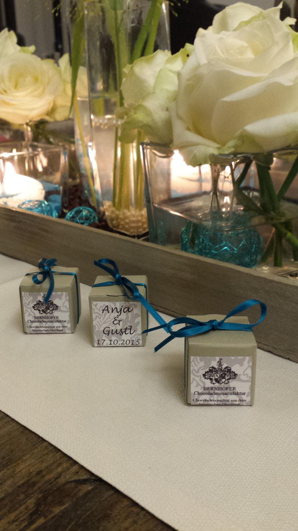 Pralinen-Gastgeschenke bei Hochzeit von Anja & Gustl - Oktober 15