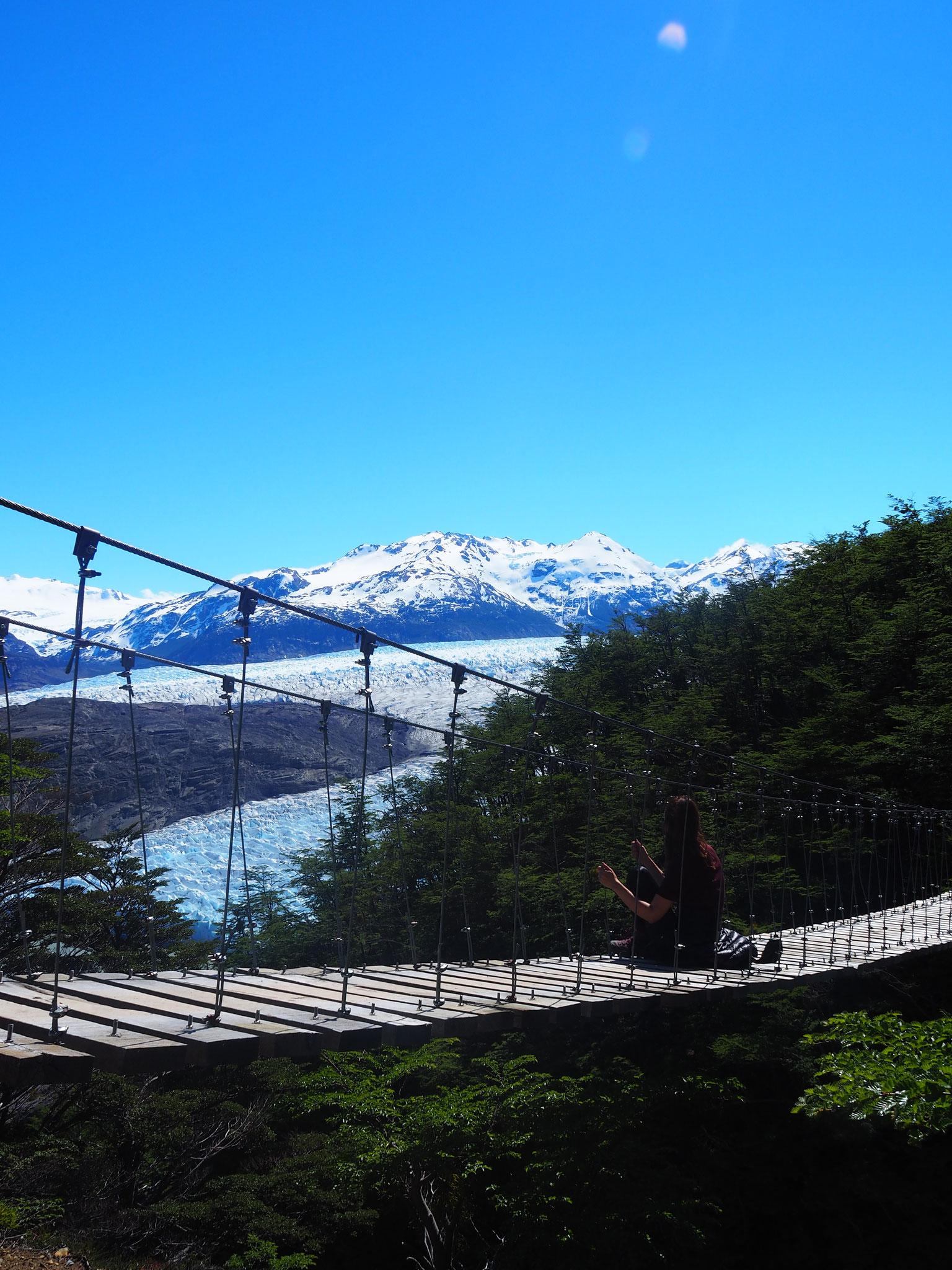 Eine der drei Hängebrücken auf dem Weg zum Refugio Grey