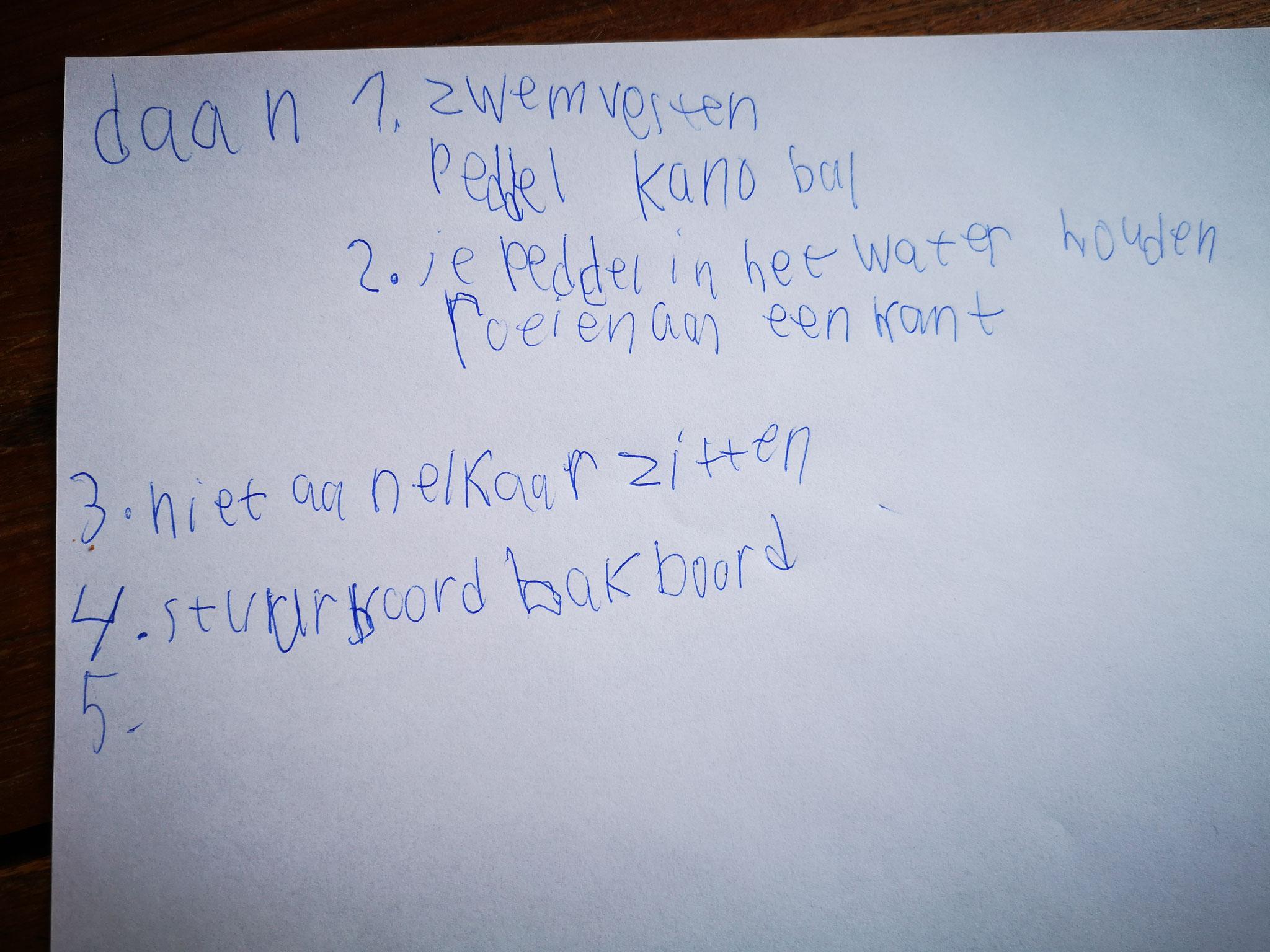 Slimme tip van Daan & Toon: schrijf je antwoorden op en laat papa of mama een foto maken en insturen.