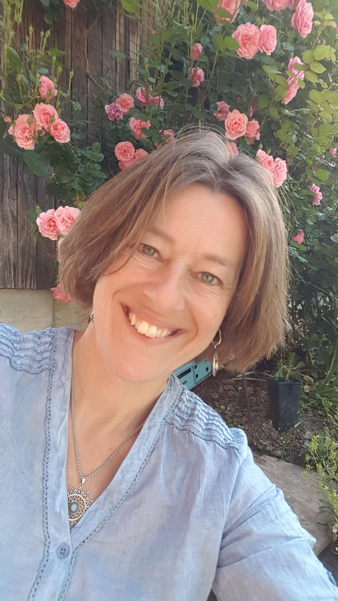 über mich: Karin Pfister, drei erwachsene Söhne, Lehre in UE, Klangschalen Therapeutin, KliK Praktiker (Kinder mit Klang begleiten)