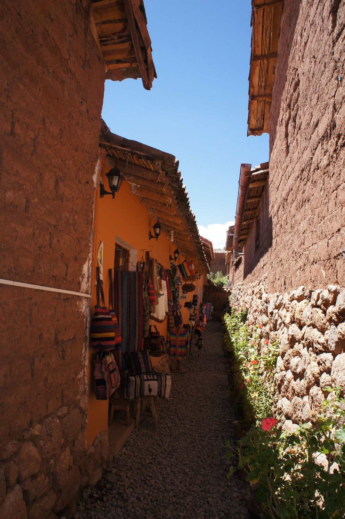 Rues de Chinchero, village traditionnel au nord ouest de Cusco