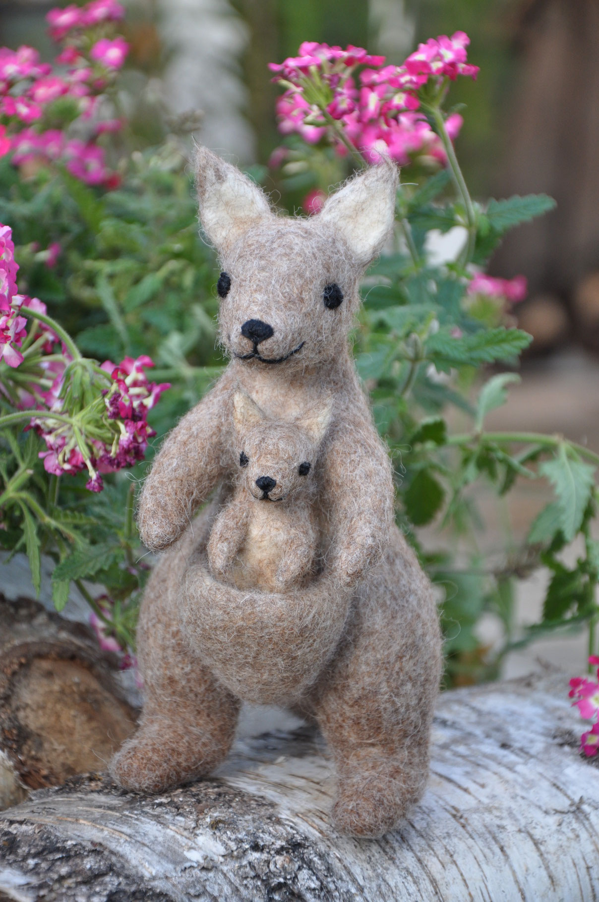 Känguru mit Kind aus Filz
