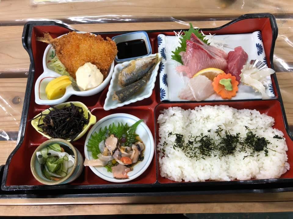 山口県長門市『汐風』の昼定食!! ありがたい海の幸‼