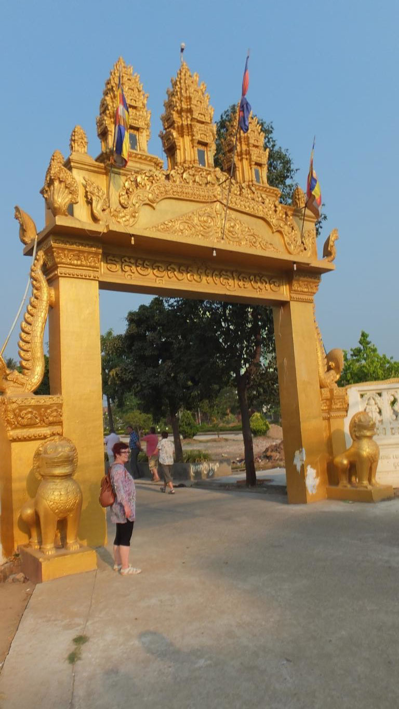 Besuch eines Tempels in der Vorstadt von Phnom Penh