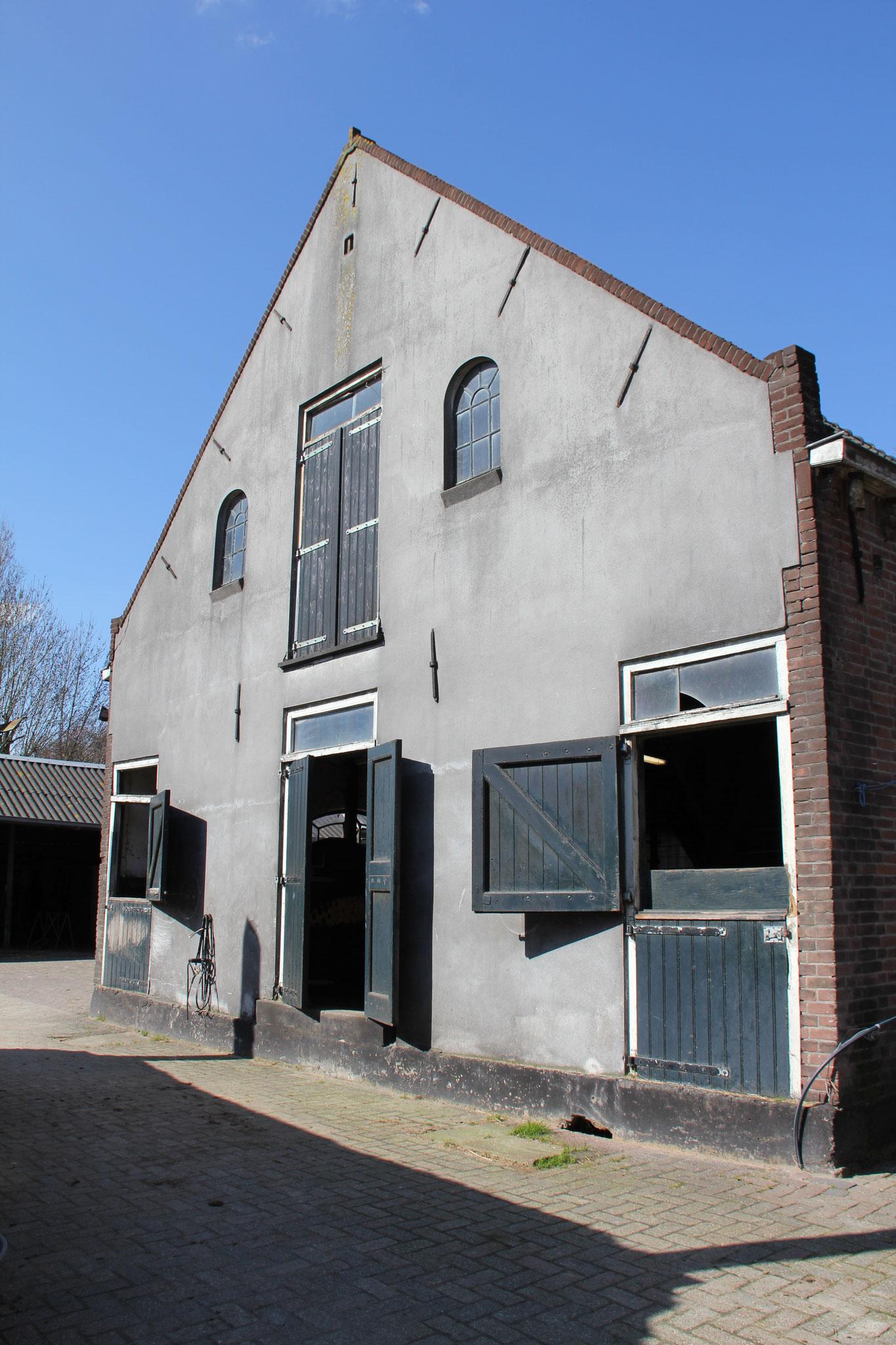 Achtergevel van het achterhuis, opnieuw gebouwd in 1950-1960 op betonfundering