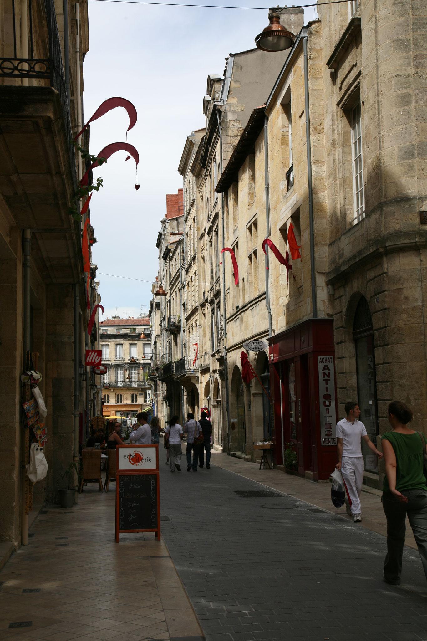 Rue dans le vieux Bordeaux
