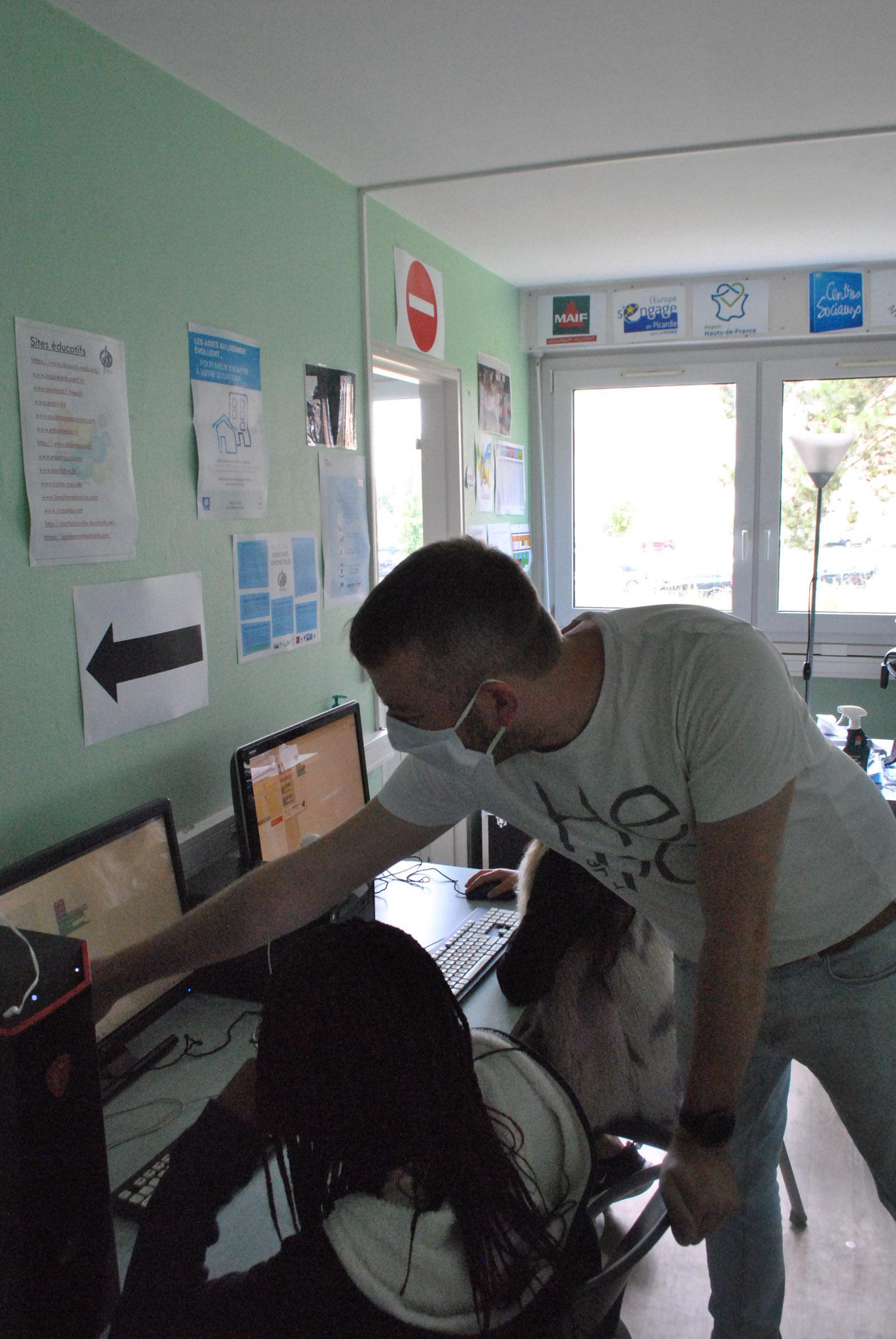 Apprentissage de la programmation avec le logiciel Scratch.