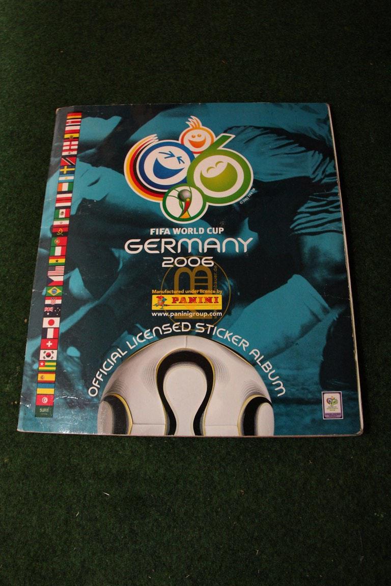Panini Album zur WM 2006 natürlich vollständig.