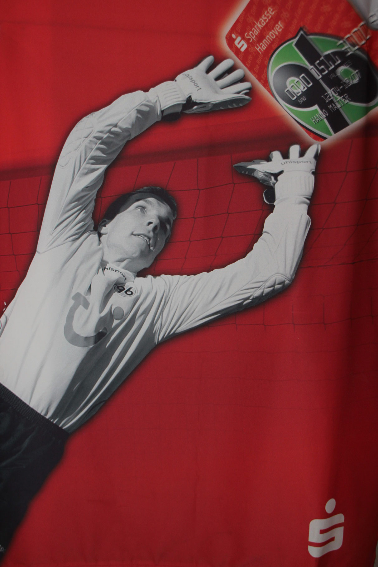 Alte Werbefahne von der Sparkasse Hannover mit DER Nummer eins von Hannover 96 Robert Enke.