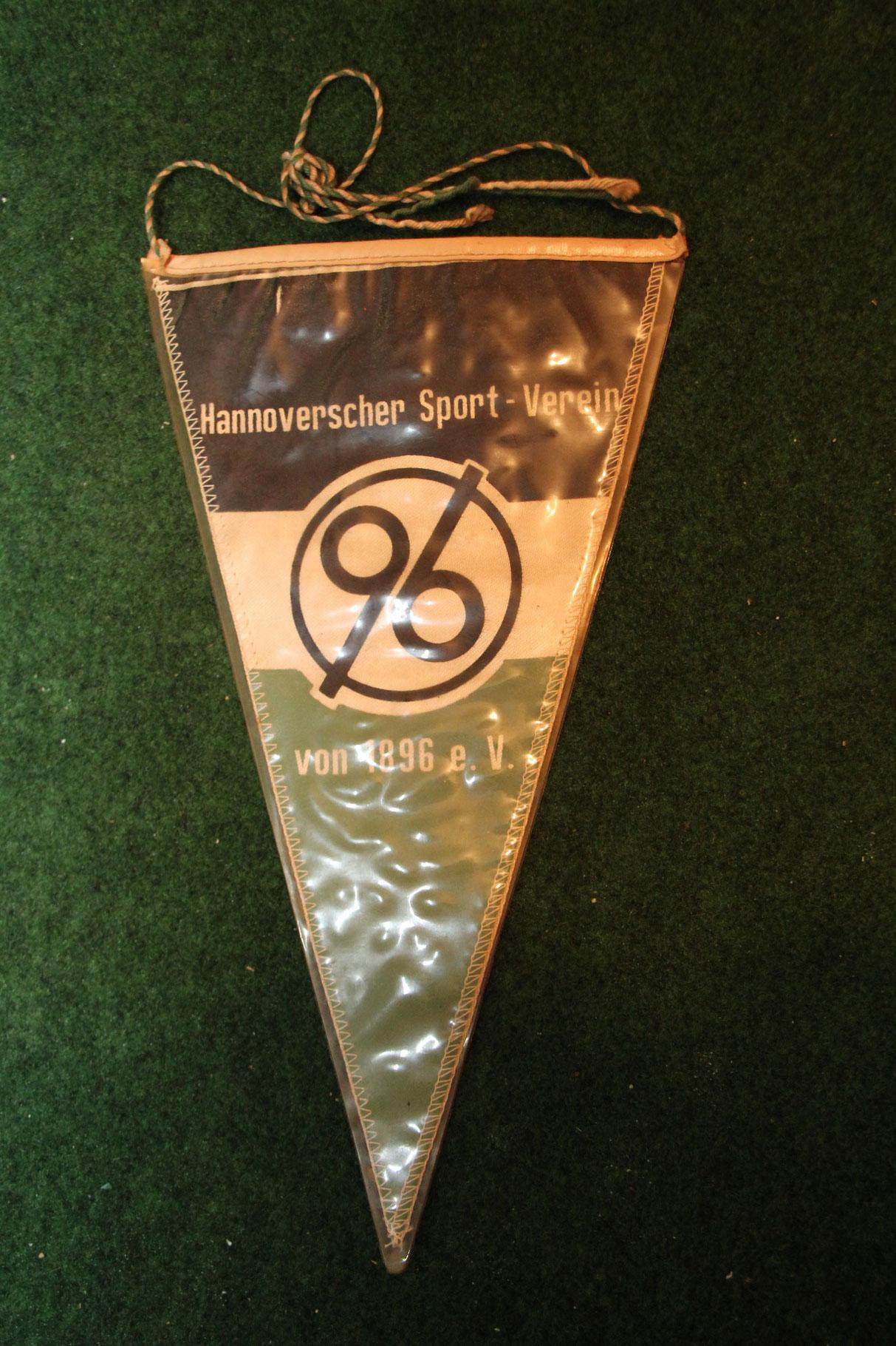Ein alter Wimpel von Hannover 96, vermutlich aus den 60er Jahren.