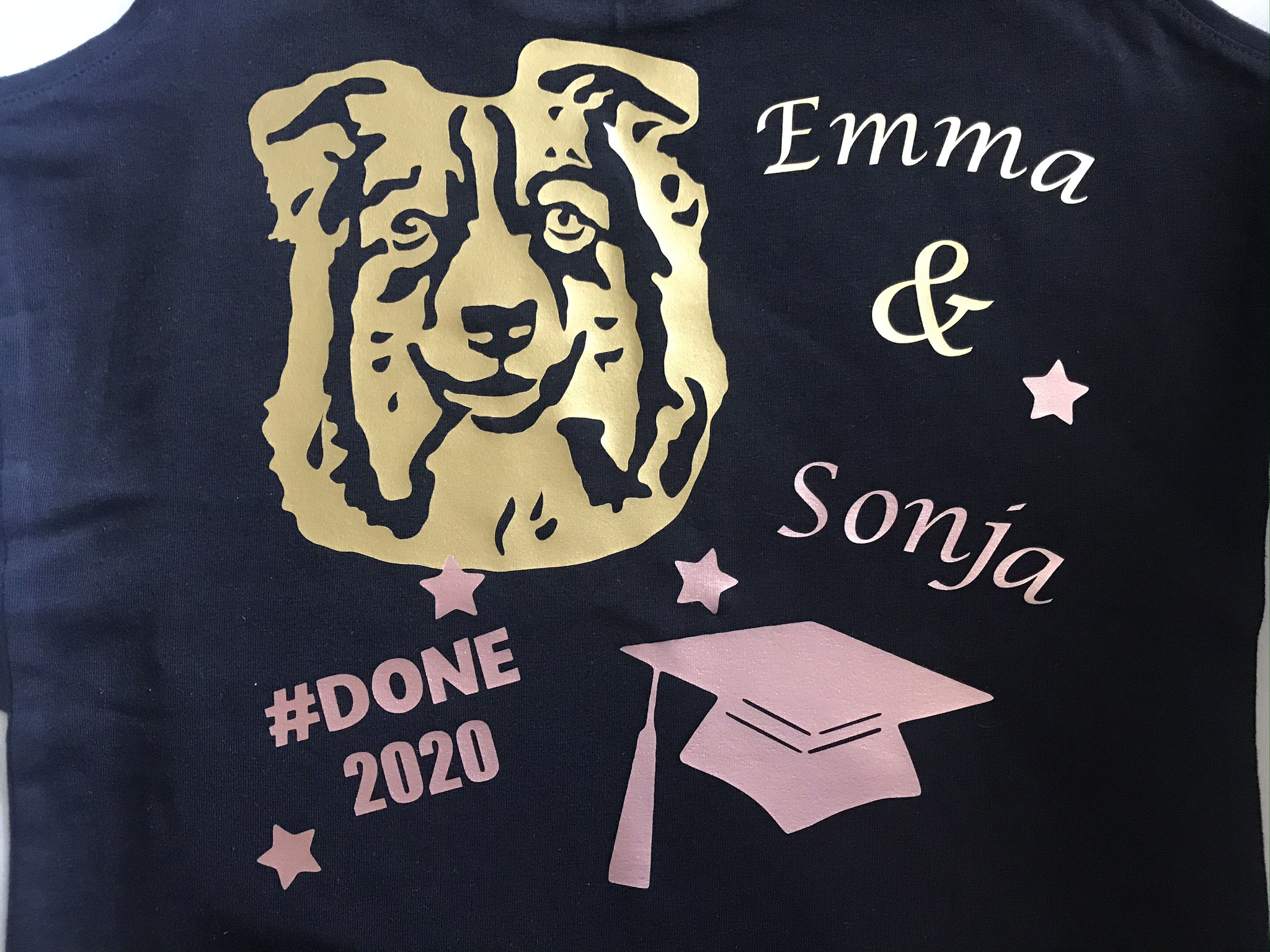 T-Shirt mit Hundemotiv - Grafik vom beigestellten Foto