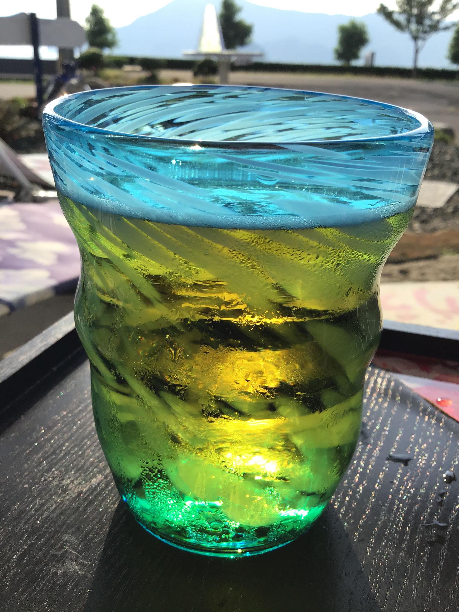 ビール美味しそう夏雲グラス