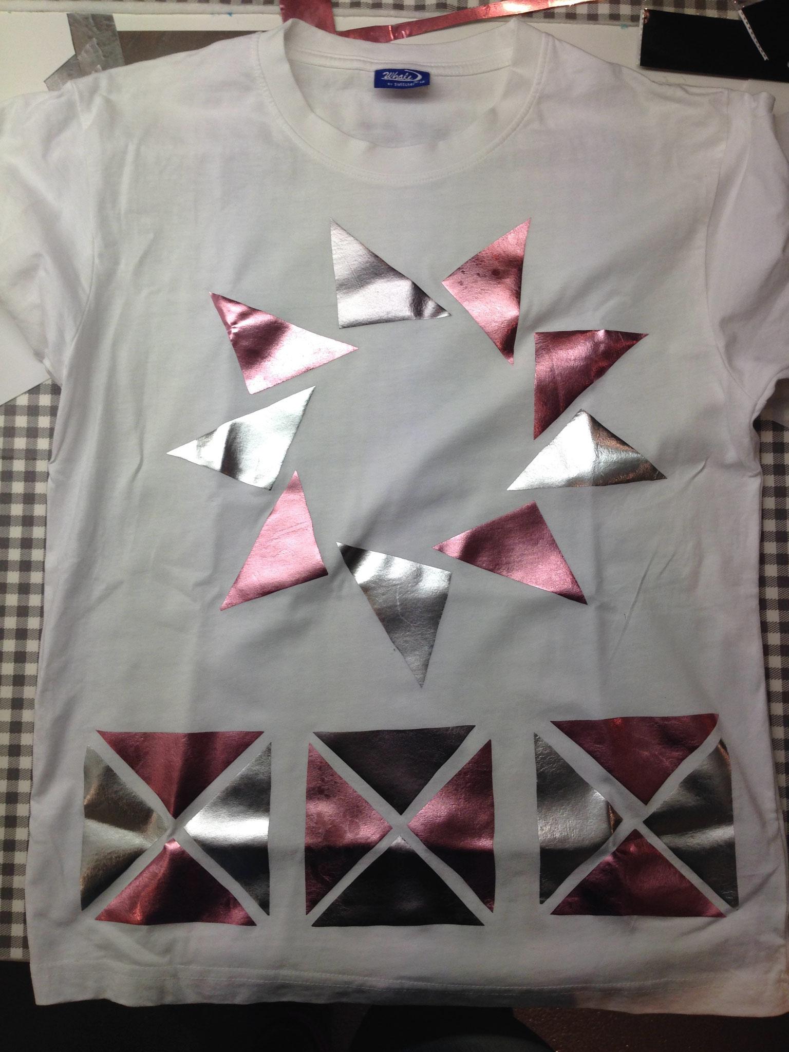 bedrucktes/ geklebtes Shirt