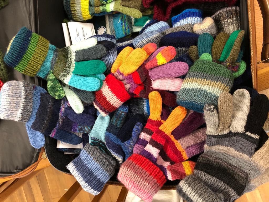 Handschuhe mehrfarbig