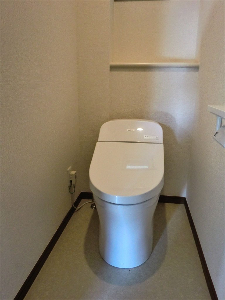 トイレ -タンクレストイレを採用-