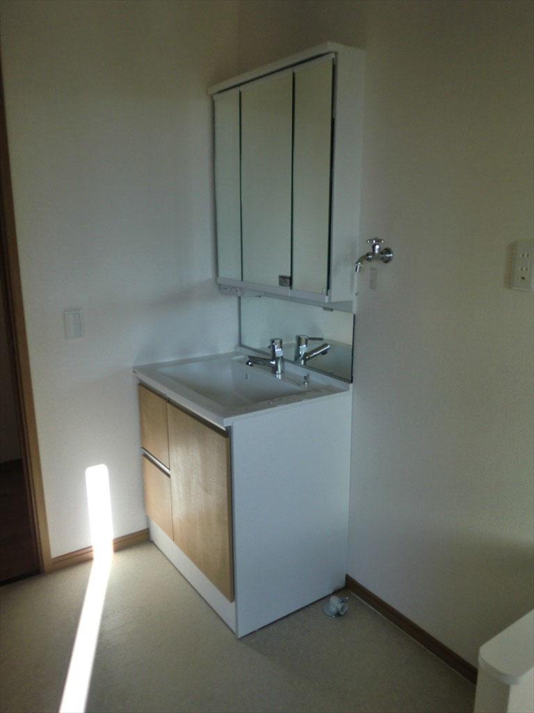 洗面台 -3面鏡採用-