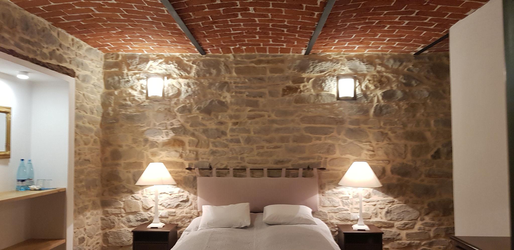 Wie die Wände ist auch die Decke wieder im Originalzustand