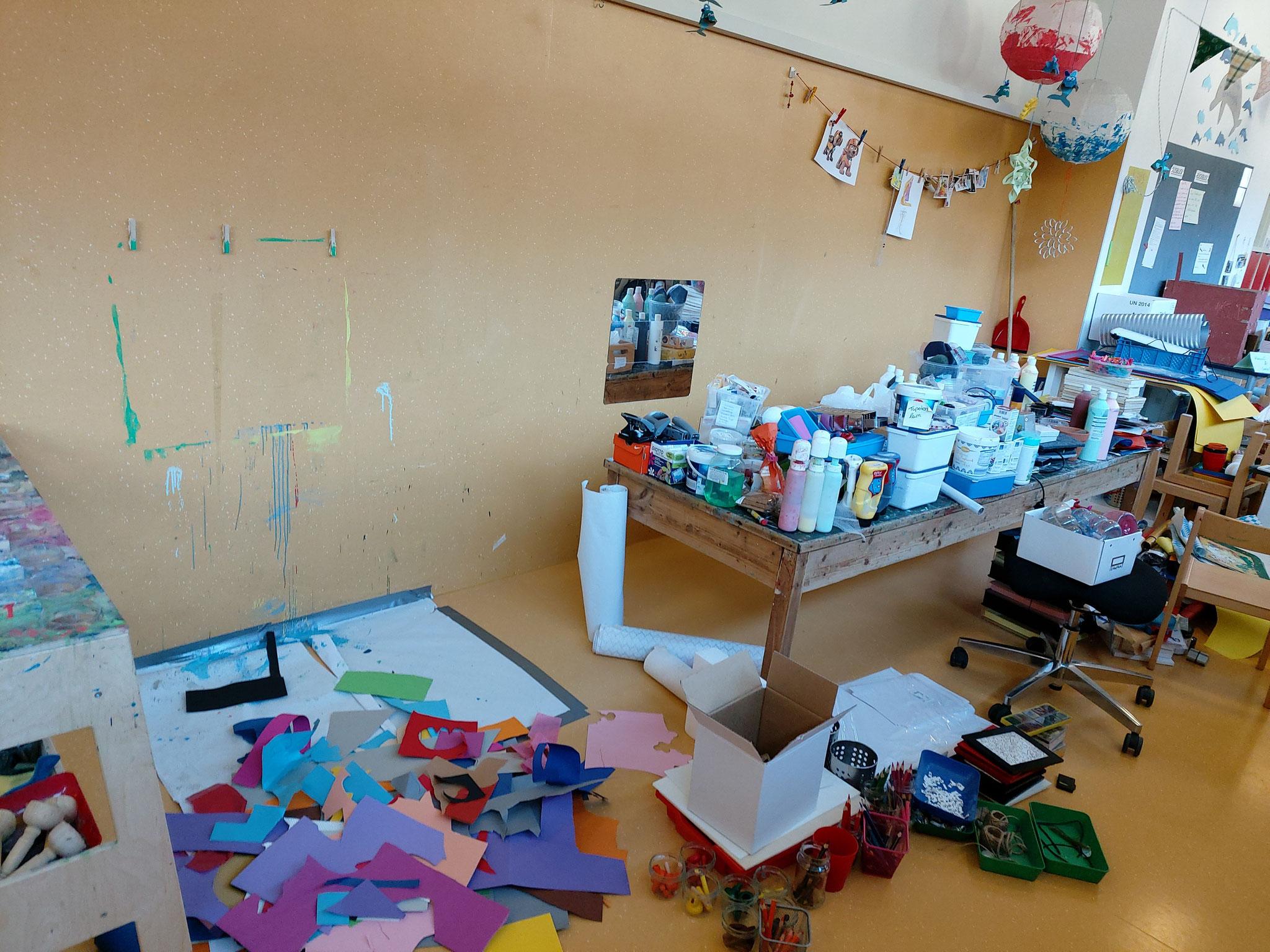 Im Atelier herrscht kraetives Chaos - mit vielen neuen Ideen