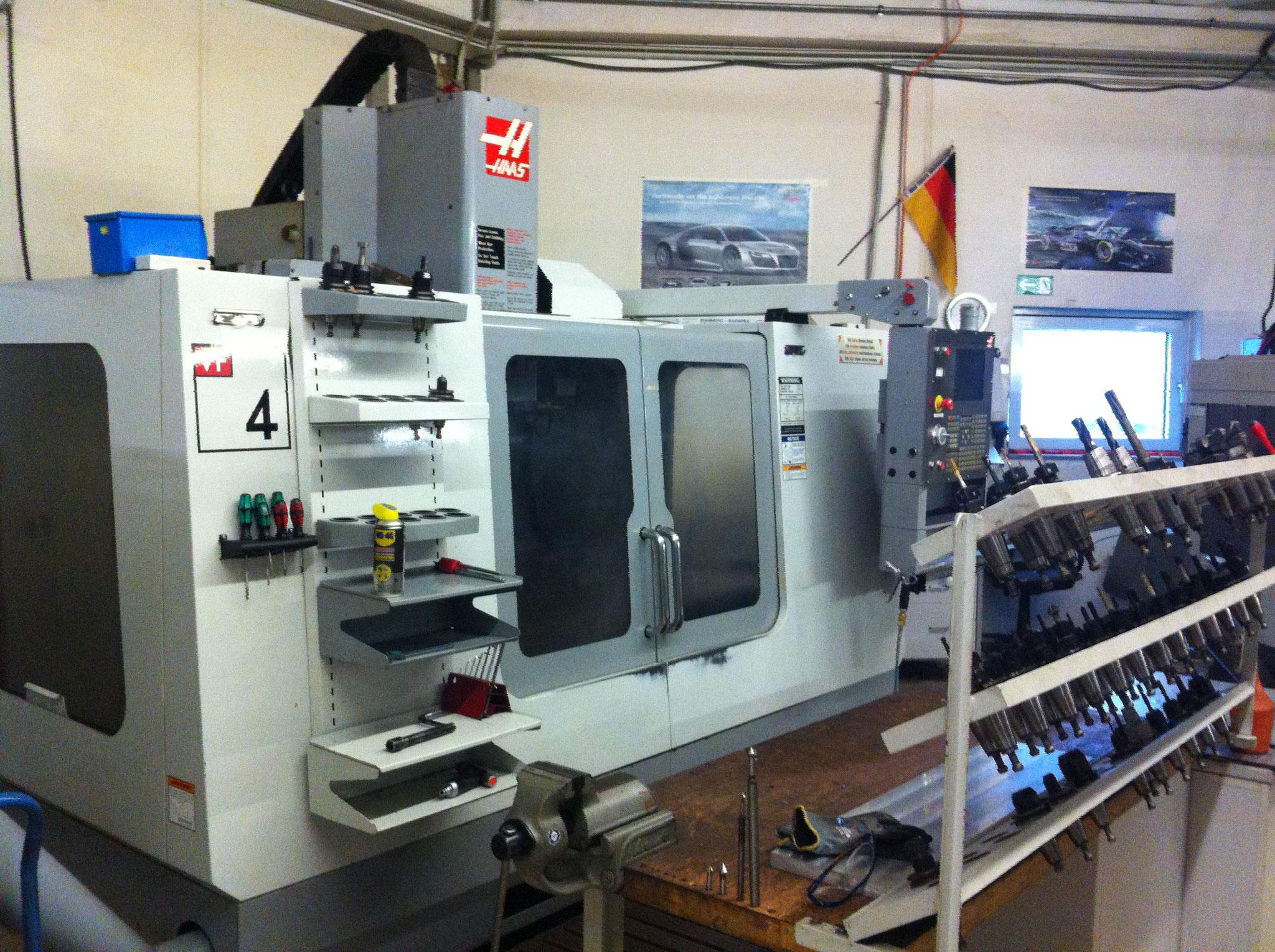 CNC Zerspannung 3 Achsen Haas