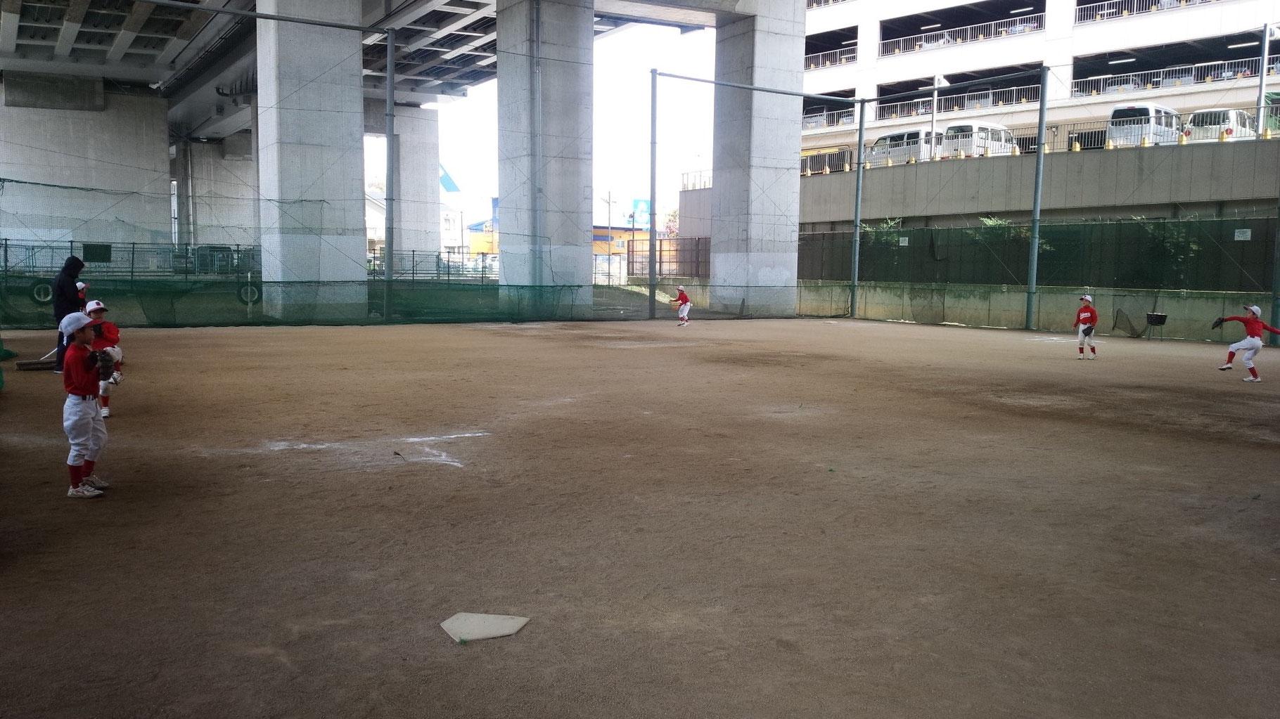 Bチーム練習風景(キャッチボール)